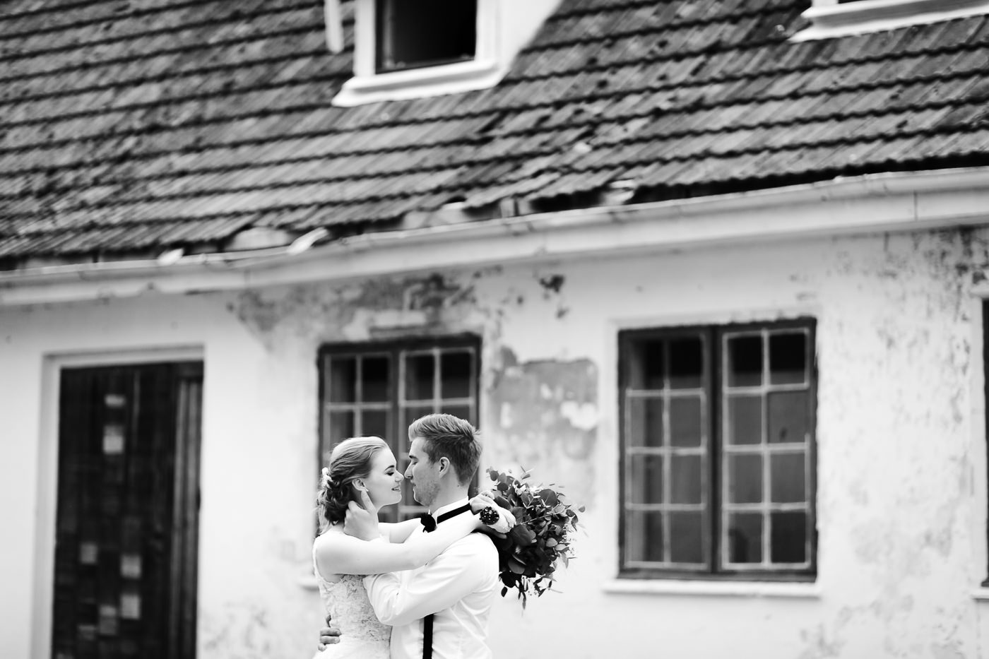Marte & Mathias - heldagsfotografering i Horten med magisk avslutning Bryllup Dal Gjestegard Horten Vestfold 12