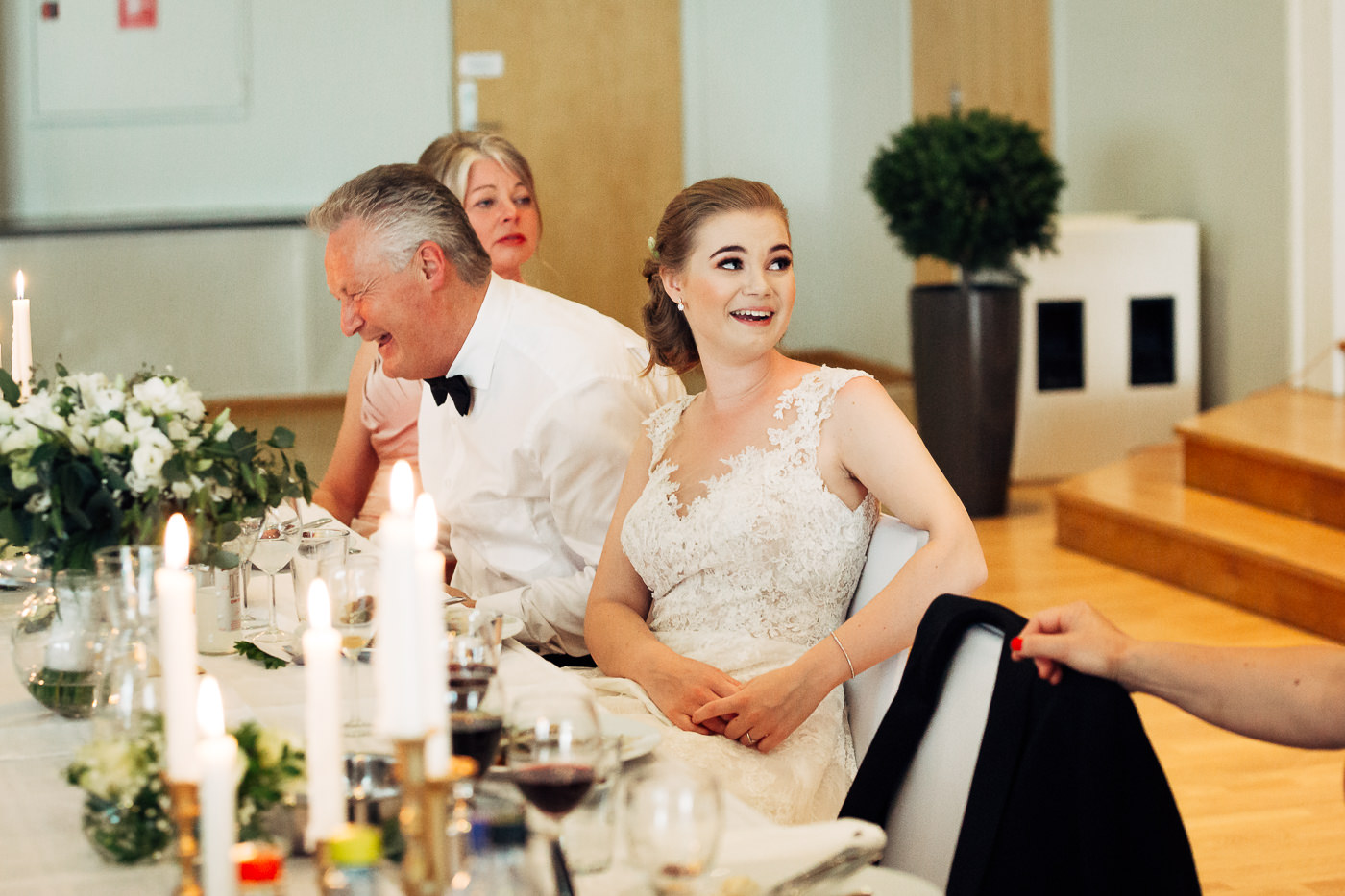 Marte & Mathias - heldagsfotografering i Horten med magisk avslutning Bryllup Dal Gjestegard Horten Vestfold 17