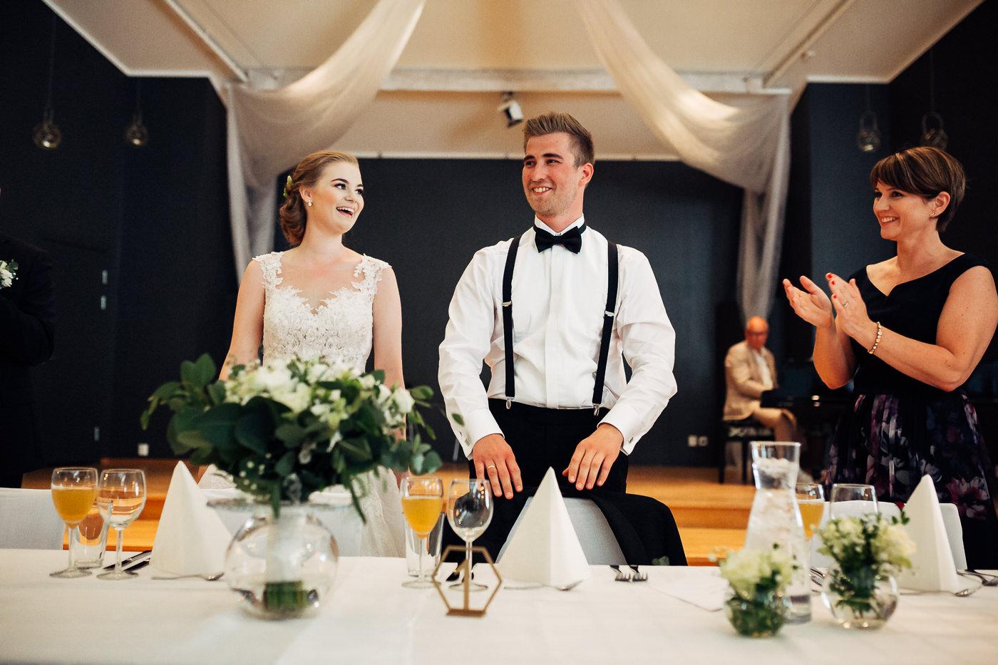 Marte & Mathias - heldagsfotografering i Horten med magisk avslutning Bryllup Dal Gjestegard Horten Vestfold 18