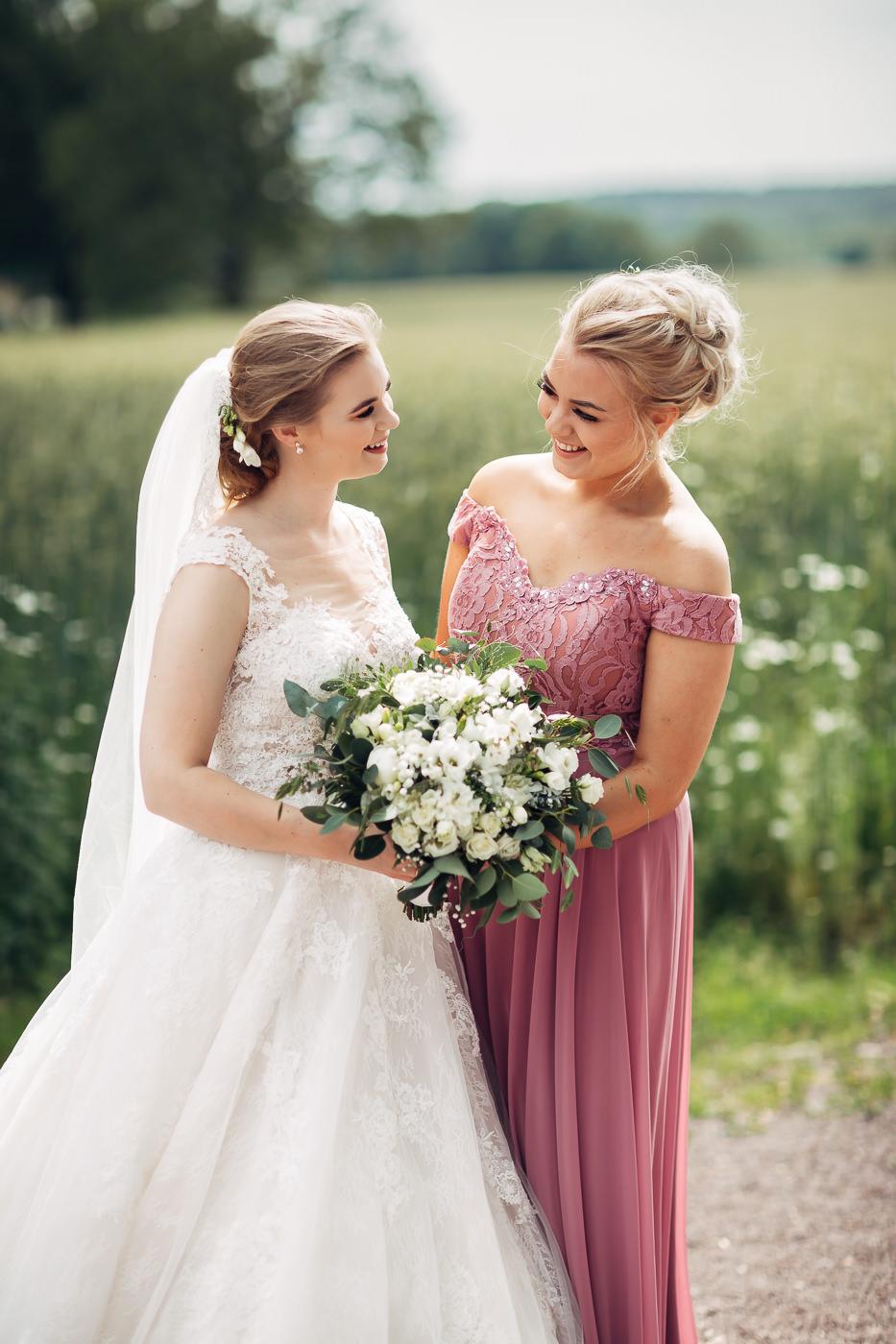 Marte & Mathias - heldagsfotografering i Horten med magisk avslutning Bryllup Dal Gjestegard Horten Vestfold 25