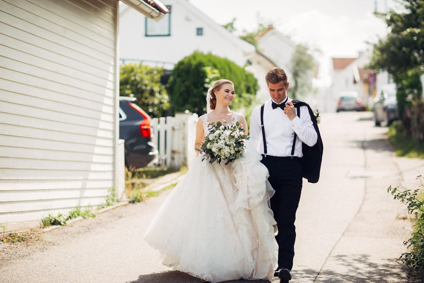 Marte & Mathias - heldagsfotografering i Horten med magisk avslutning Bryllup Dal Gjestegard Horten Vestfold 27