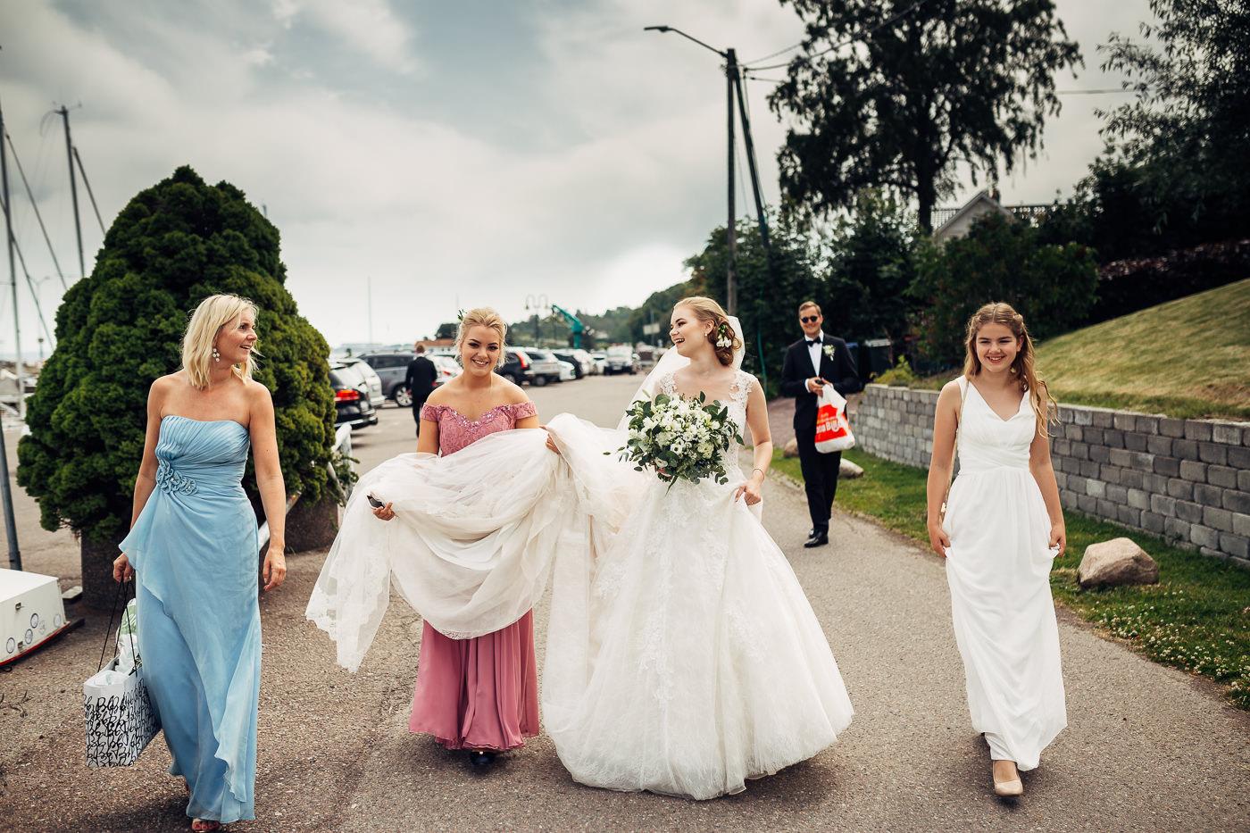 Marte & Mathias - heldagsfotografering i Horten med magisk avslutning Bryllup Dal Gjestegard Horten Vestfold 31