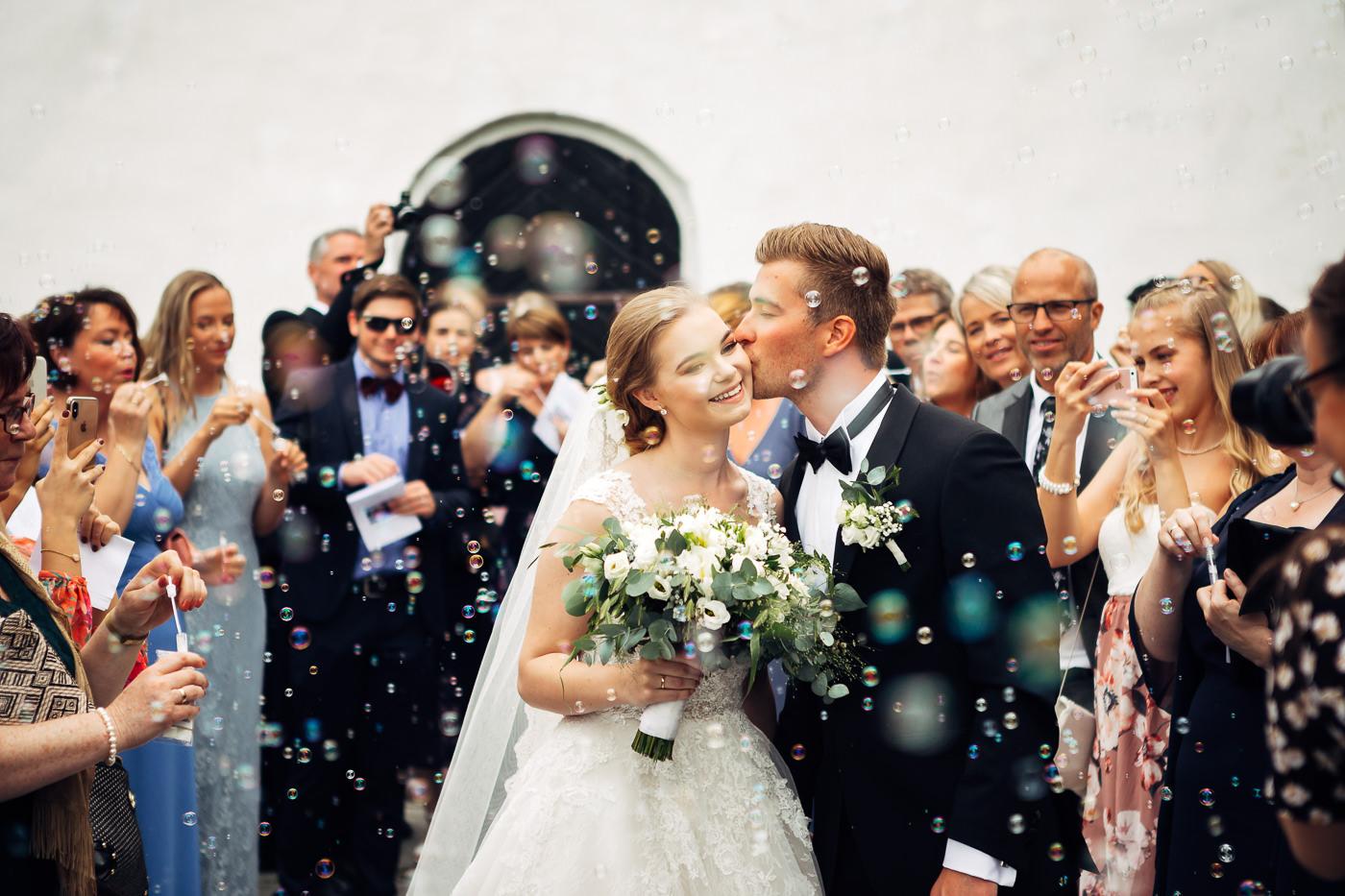 Marte & Mathias - heldagsfotografering i Horten med magisk avslutning Bryllup Dal Gjestegard Horten Vestfold 33