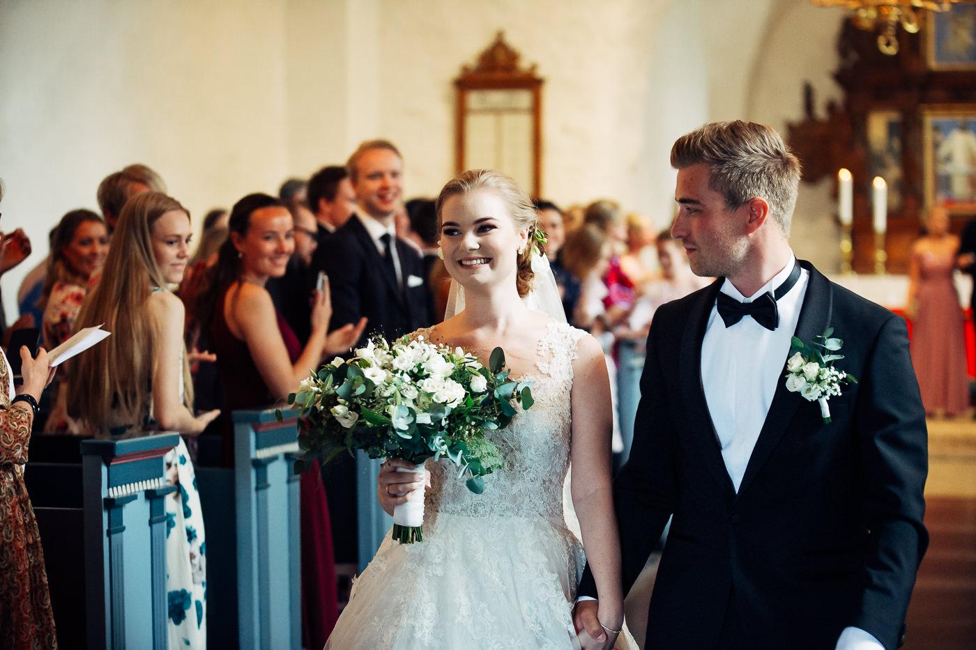 Marte & Mathias - heldagsfotografering i Horten med magisk avslutning Bryllup Dal Gjestegard Horten Vestfold 34