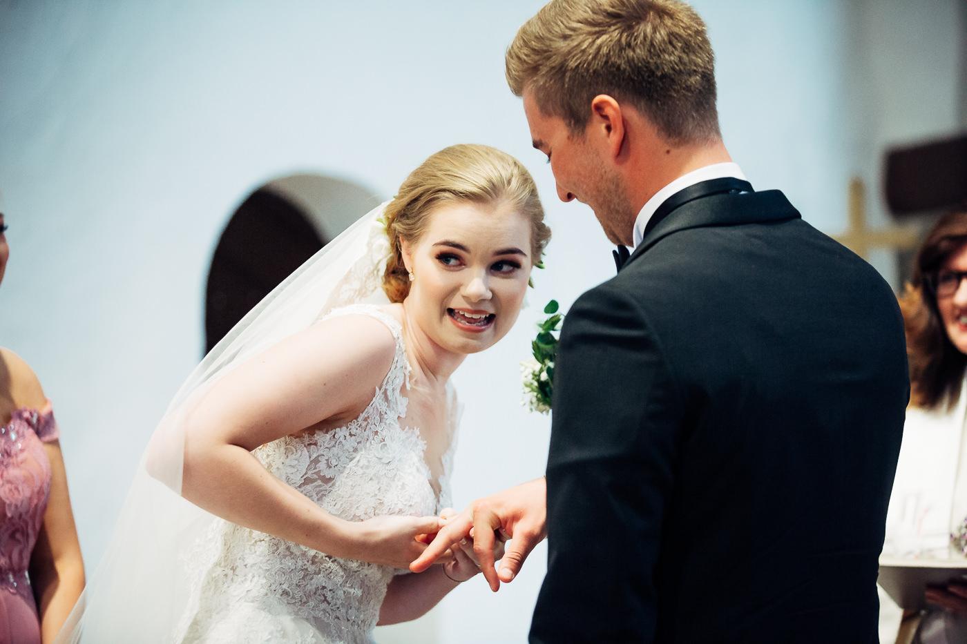 Marte & Mathias - heldagsfotografering i Horten med magisk avslutning Bryllup Dal Gjestegard Horten Vestfold 35