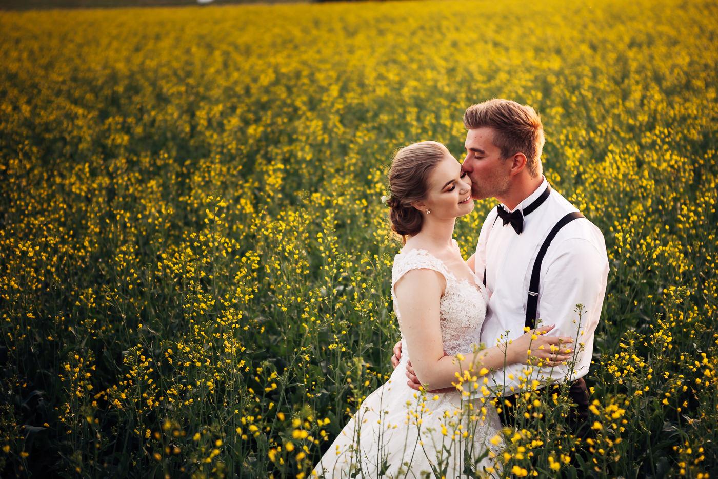 Marte & Mathias - heldagsfotografering i Horten med magisk avslutning Bryllup Dal Gjestegard Horten Vestfold 4