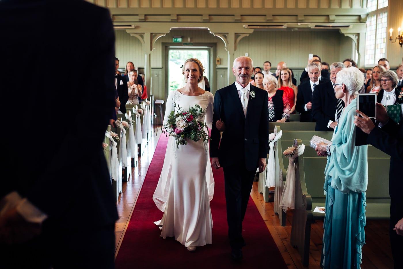 Karoline & Andreas - bryllup i Østfold med magiske detaljer Bryllup Fredrikstad Fotograf 21