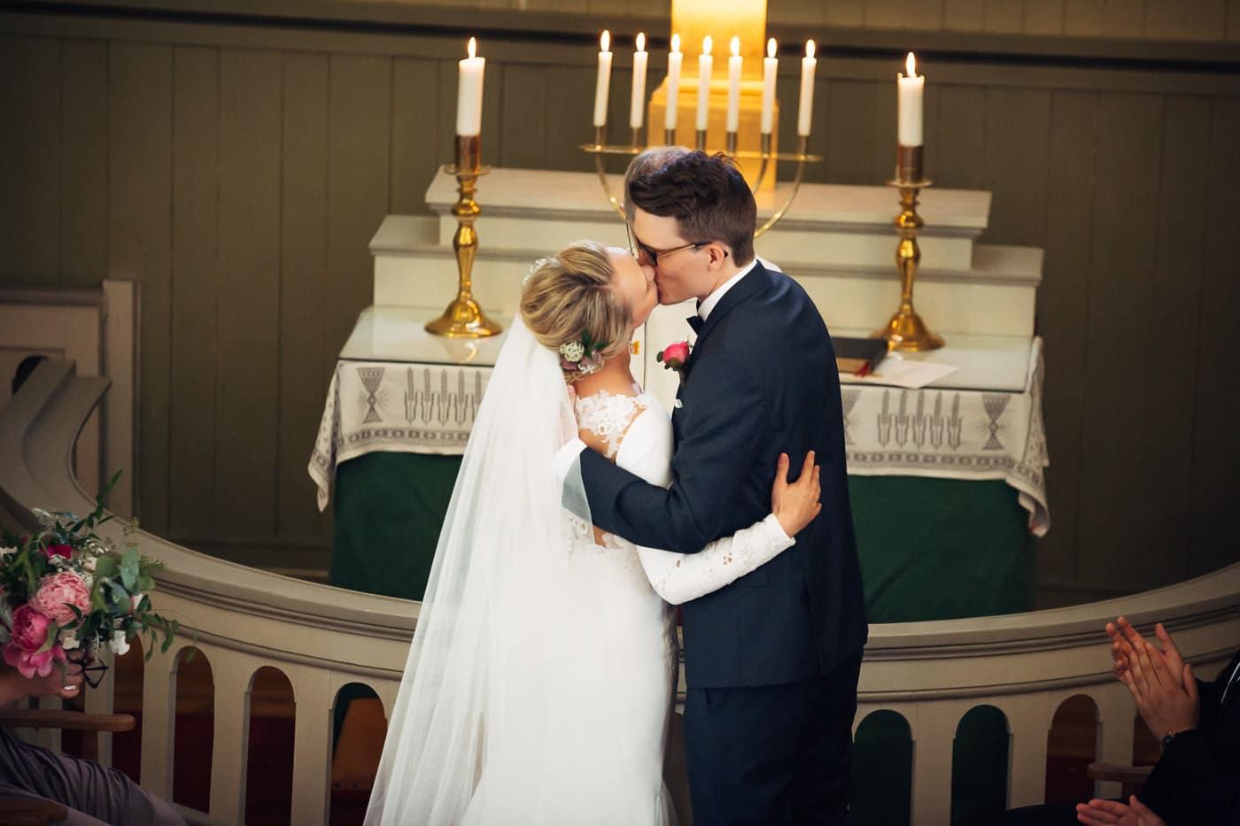 Karoline & Andreas - bryllup i Østfold med magiske detaljer Bryllup Fredrikstad Fotograf 23