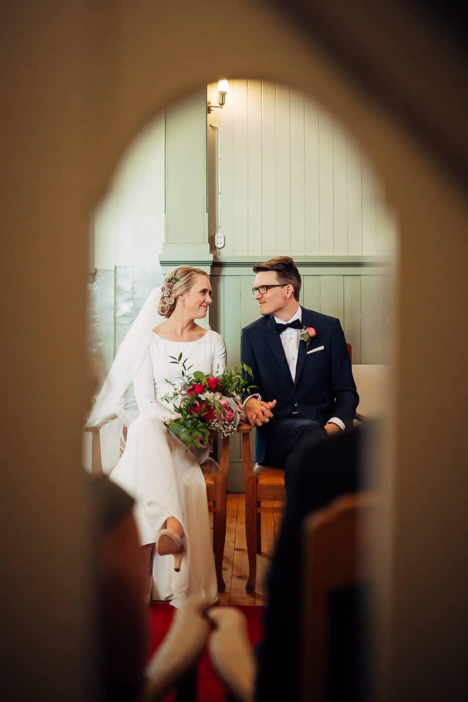 Karoline & Andreas - bryllup i Østfold med magiske detaljer Bryllup Fredrikstad Fotograf 24