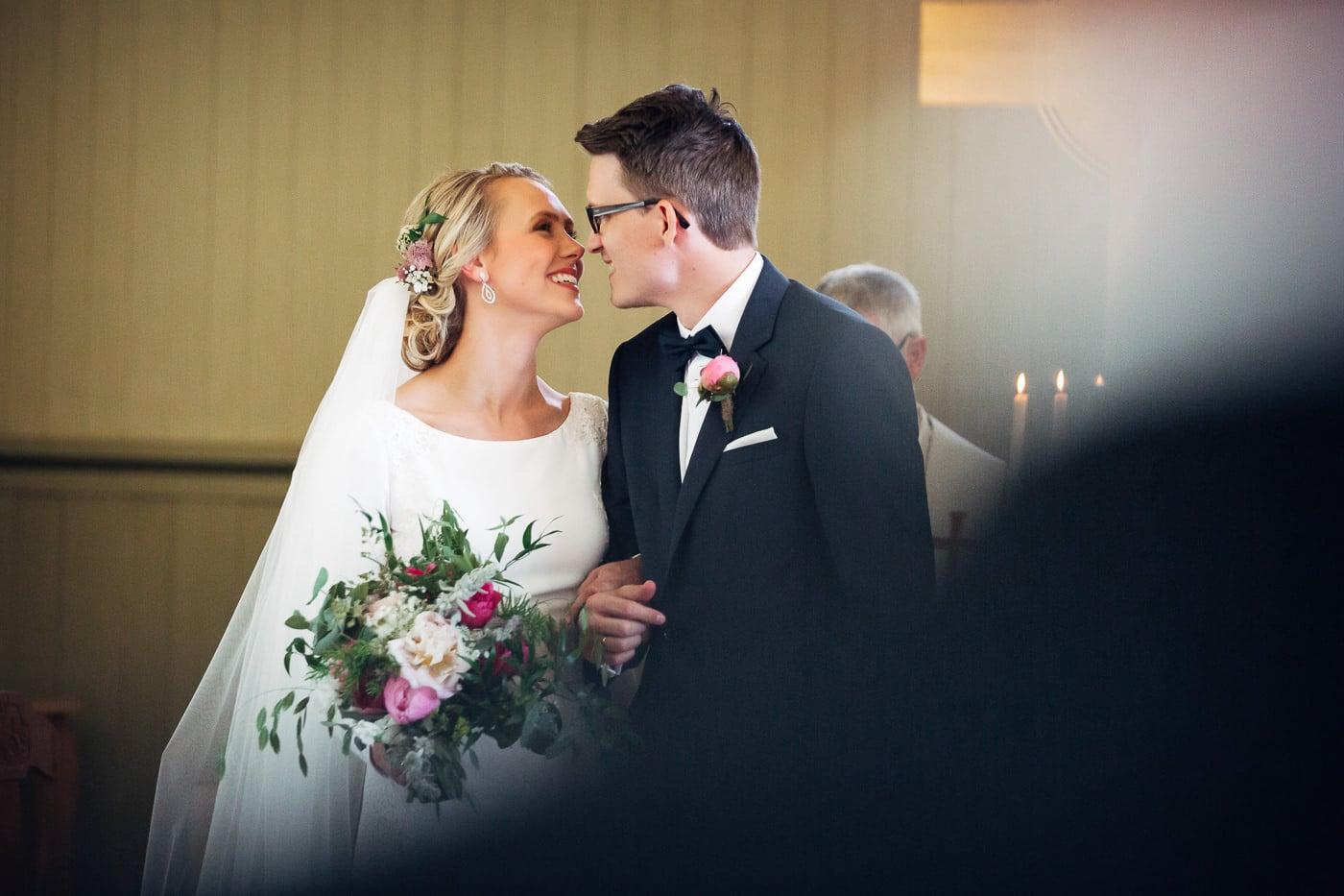 Karoline & Andreas - bryllup i Østfold med magiske detaljer Bryllup Fredrikstad Fotograf 27