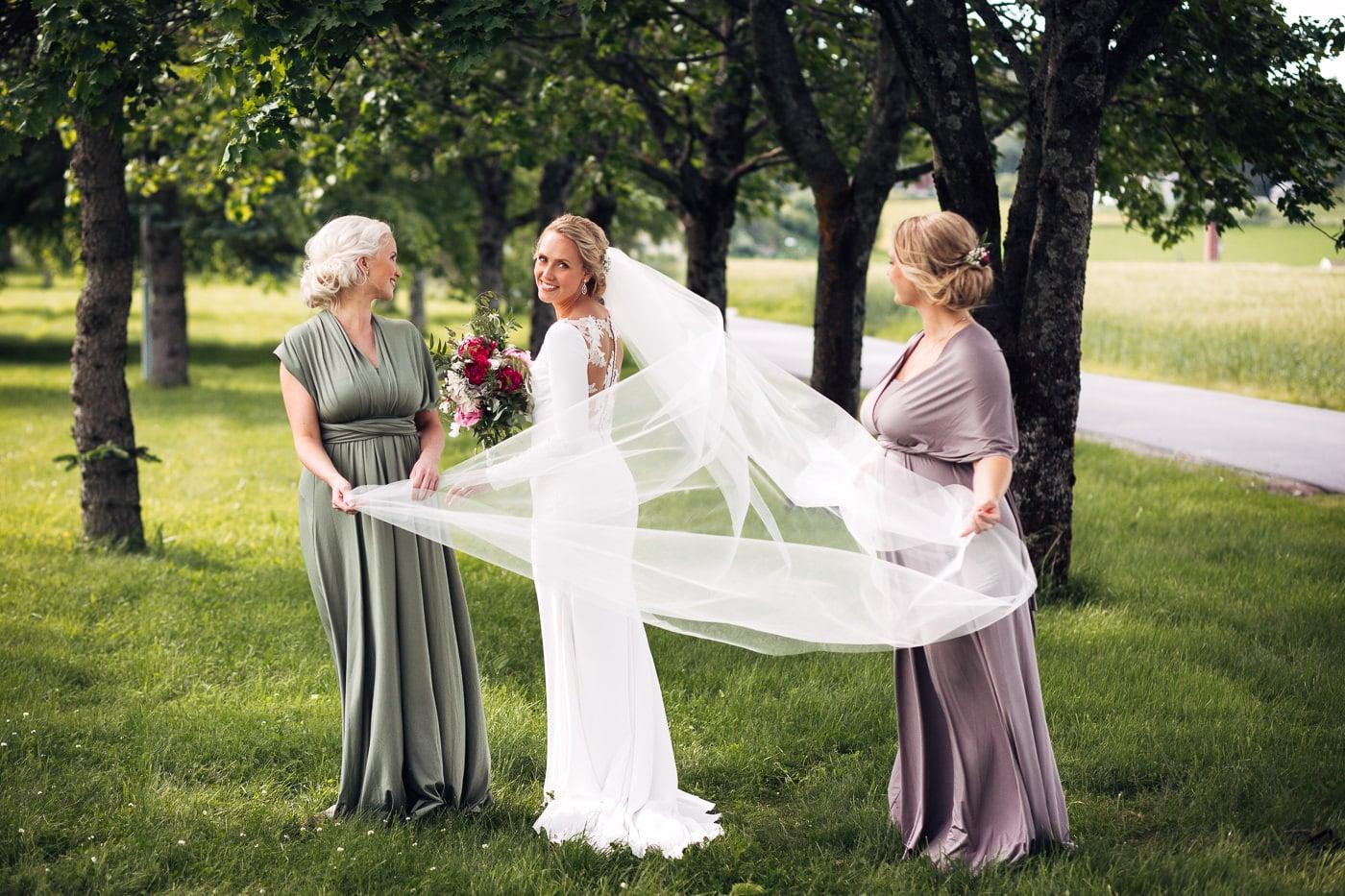 Karoline & Andreas - bryllup i Østfold med magiske detaljer Bryllup Fredrikstad Fotograf 48