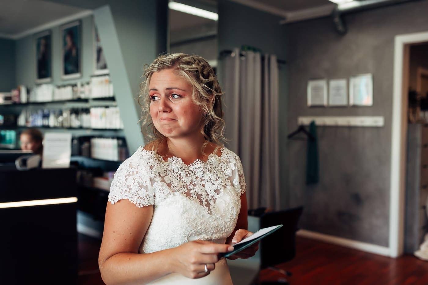 Linn & Frank - rørende og vakkert låvebryllup i Minnesund Bryllupsbilder Minnesund Eidsvoll 16 Brudepar