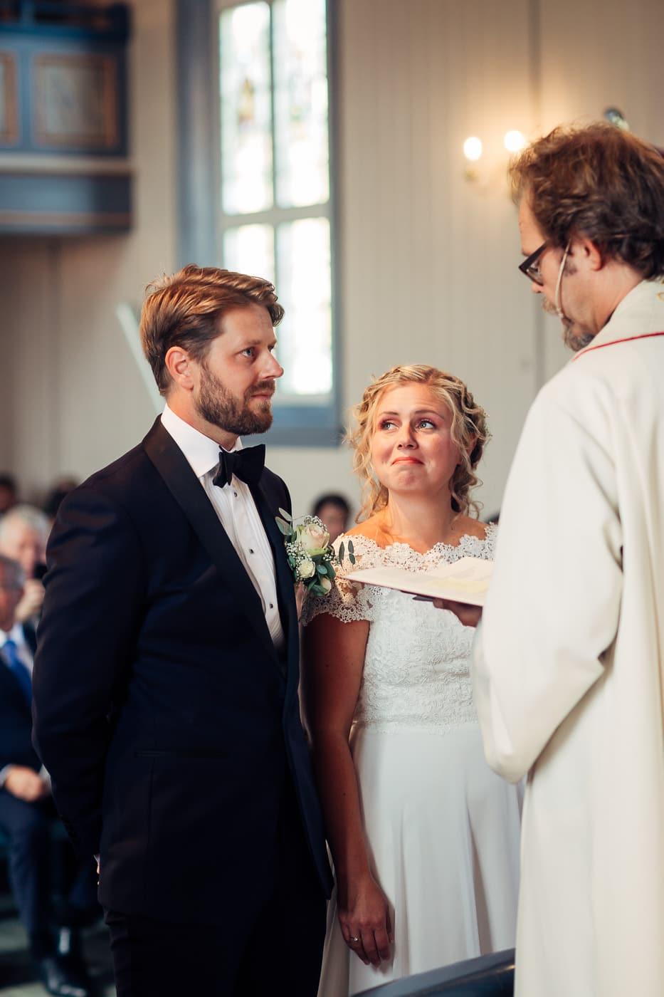 Linn & Frank - rørende og vakkert låvebryllup i Minnesund Bryllupsbilder Minnesund Eidsvoll 25 Brudepar