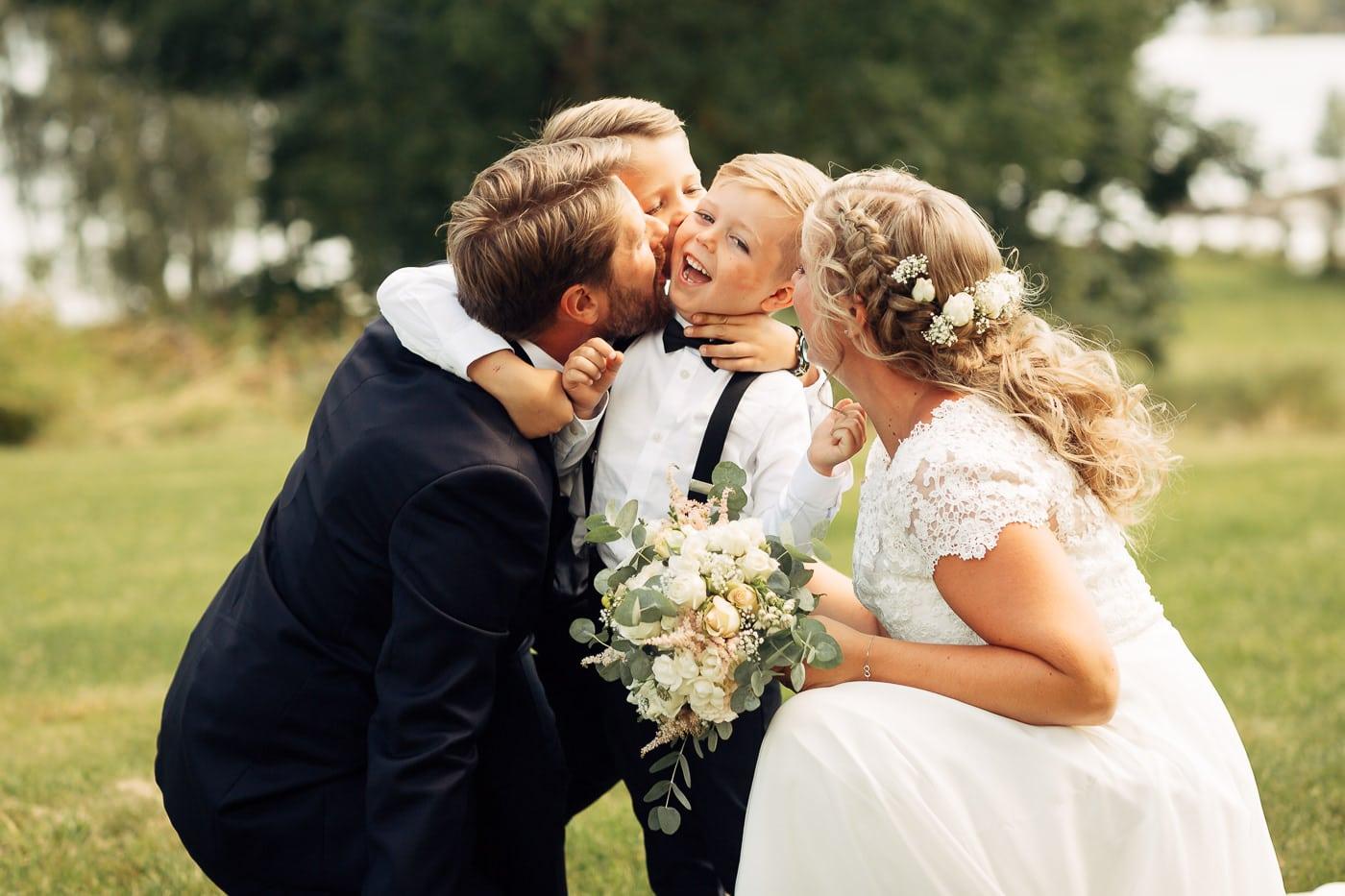 Linn & Frank - rørende og vakkert låvebryllup i Minnesund Bryllupsbilder Minnesund Eidsvoll 35 Brudepar