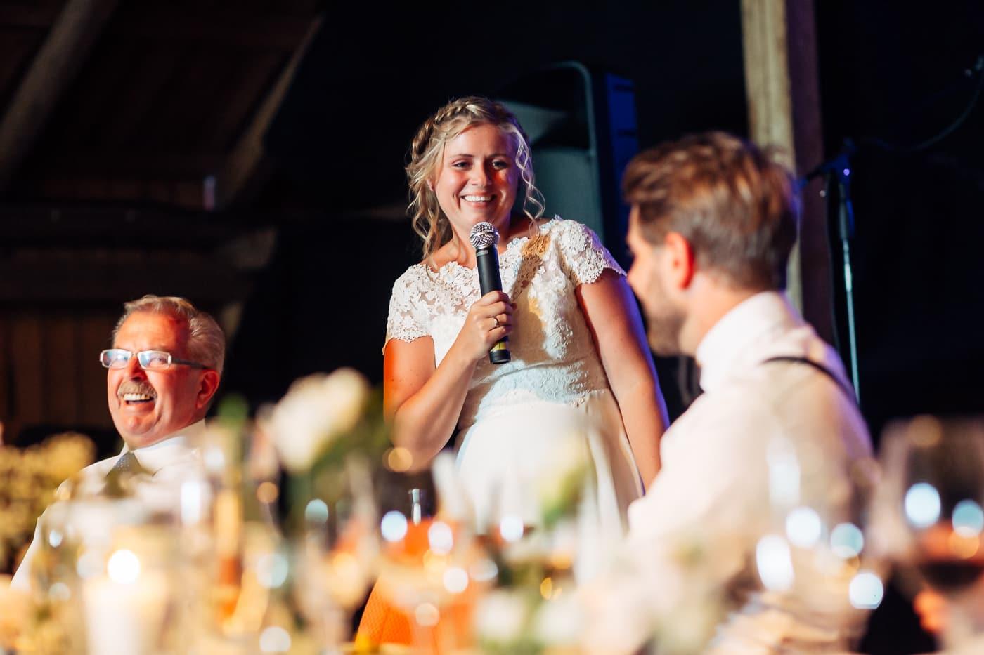 Linn & Frank - rørende og vakkert låvebryllup i Minnesund Bryllupsbilder Minnesund Eidsvoll 72 Brudepar