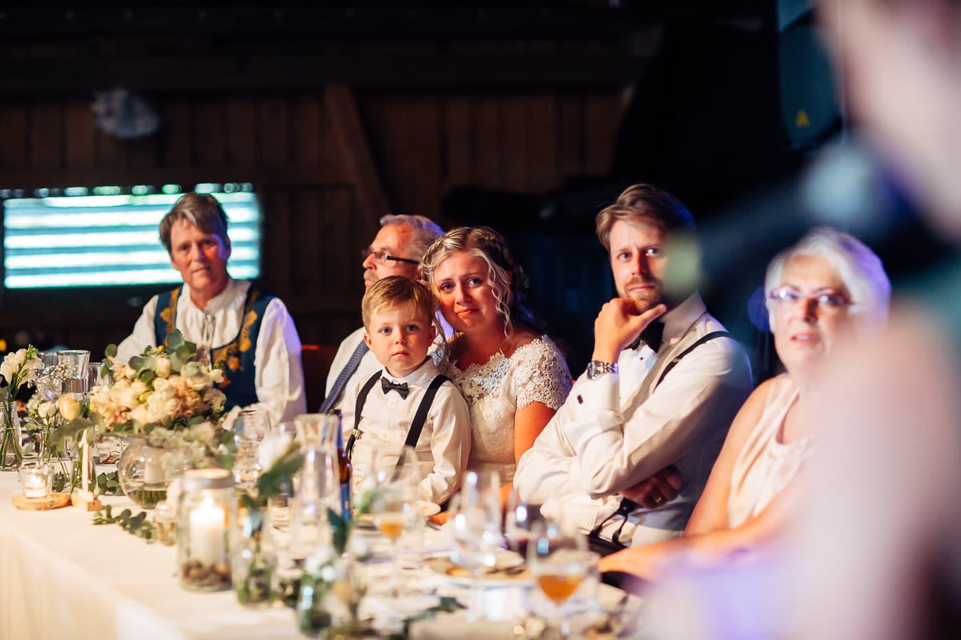 Linn & Frank - rørende og vakkert låvebryllup i Minnesund Bryllupsbilder Minnesund Eidsvoll 74 Brudepar