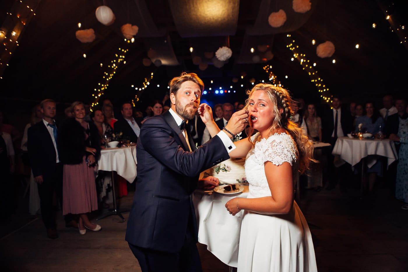 Linn & Frank - rørende og vakkert låvebryllup i Minnesund Bryllupsbilder Minnesund Eidsvoll 92 Brudepar