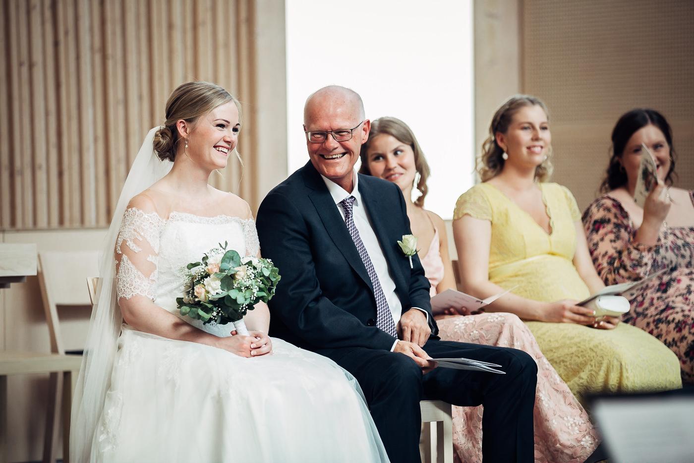 Ida Nathalie & Sebastian  - vakkert junibryllup i Lillestrøm Bryllupsfotograf Hellerud Akershus 27