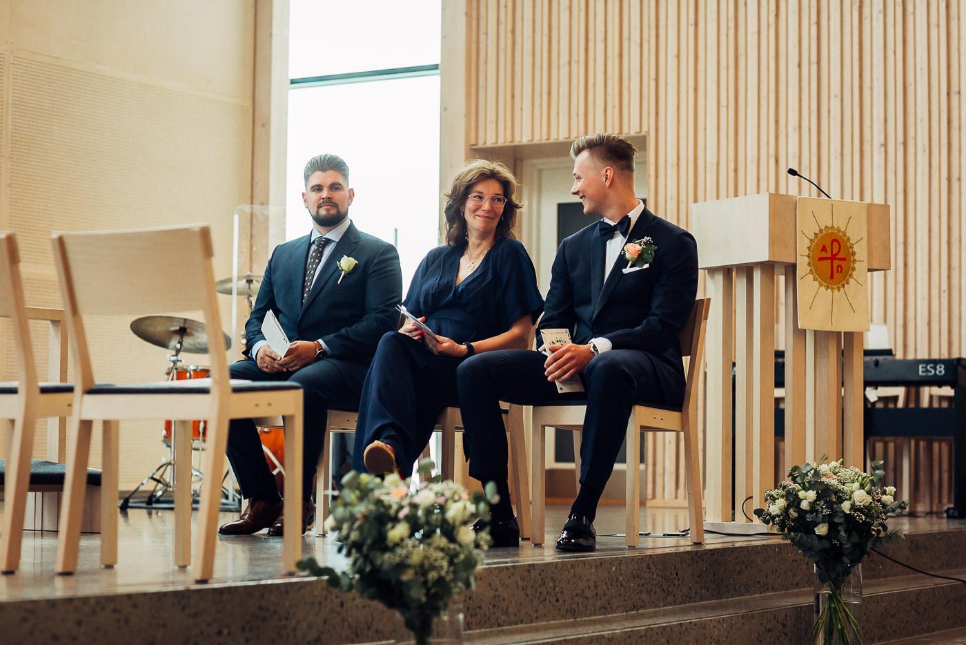 Ida Nathalie & Sebastian  - vakkert junibryllup i Lillestrøm Bryllupsfotograf Hellerud Akershus 30