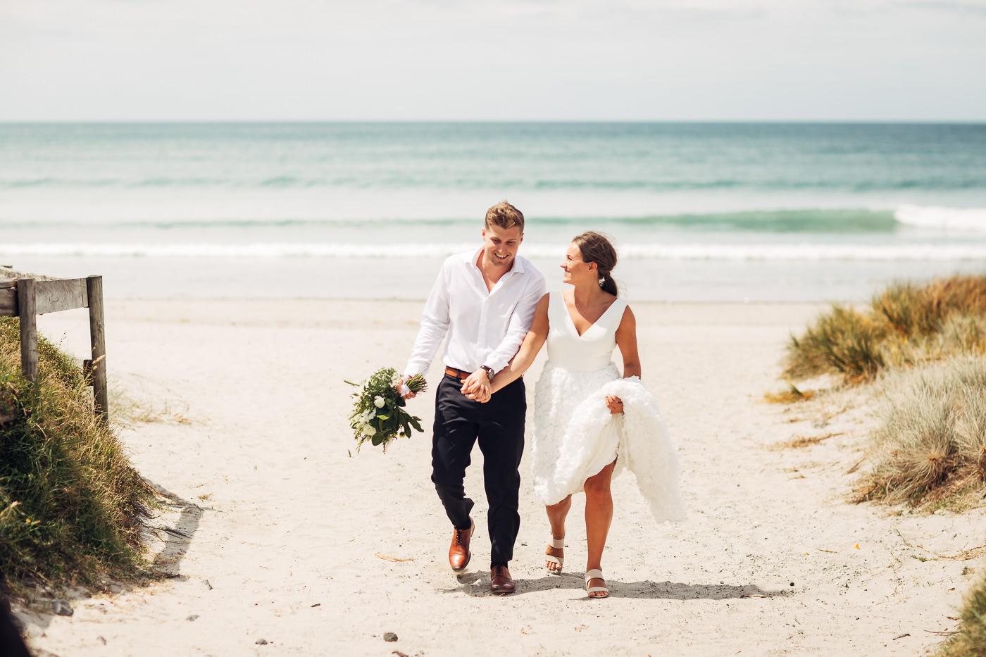 Anne-Hilde & Pieter - januarbryllup i slående vakre Tauranga, New Zealand Bryllupsfotograf New Zealand strand 11 Brudepar