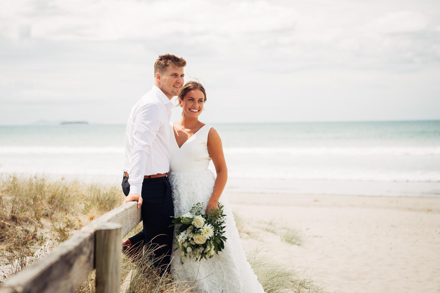 Anne-Hilde & Pieter - januarbryllup i slående vakre Tauranga, New Zealand Bryllupsfotograf New Zealand strand 12 Brudepar