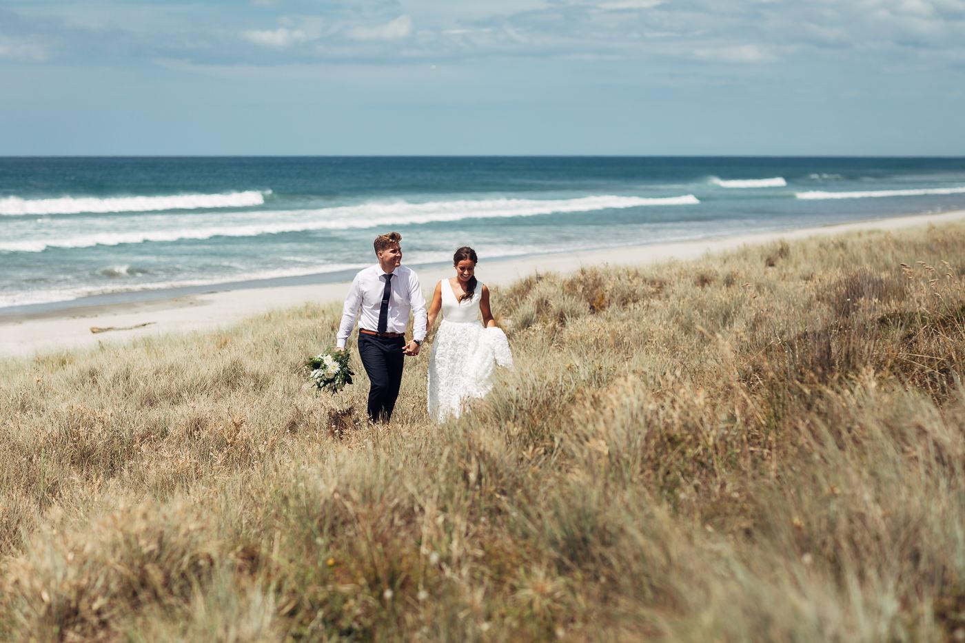 Anne-Hilde & Pieter - januarbryllup i slående vakre Tauranga, New Zealand Bryllupsfotograf New Zealand strand 16 Brudepar
