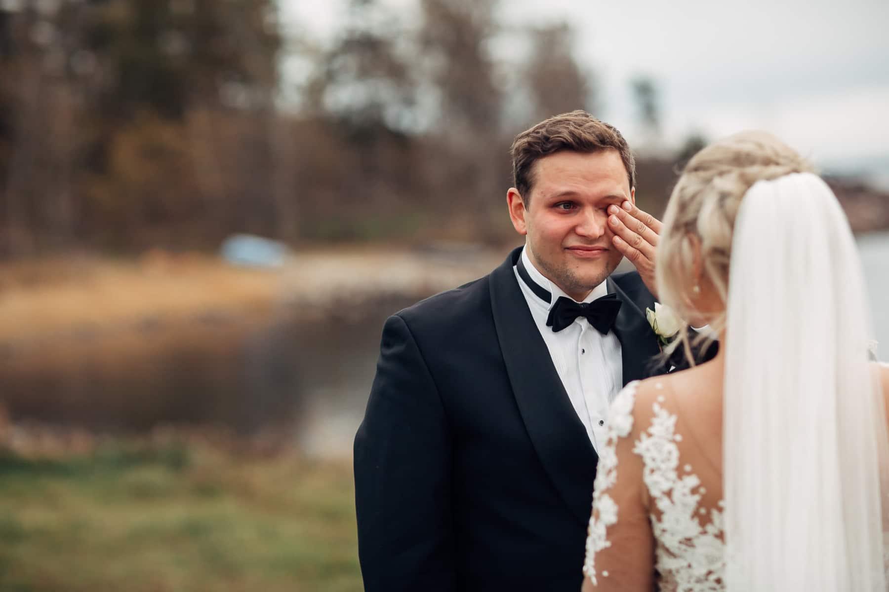 Klara & Stefan - hjertevarmt bryllup i Tønsberg Fotograf bryllup Karlsvik Vestfold 10 Brudepar
