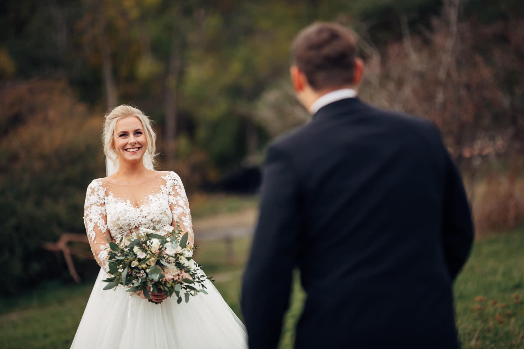 Klara & Stefan - hjertevarmt bryllup i Tønsberg Fotograf bryllup Karlsvik Vestfold 12 Brudepar