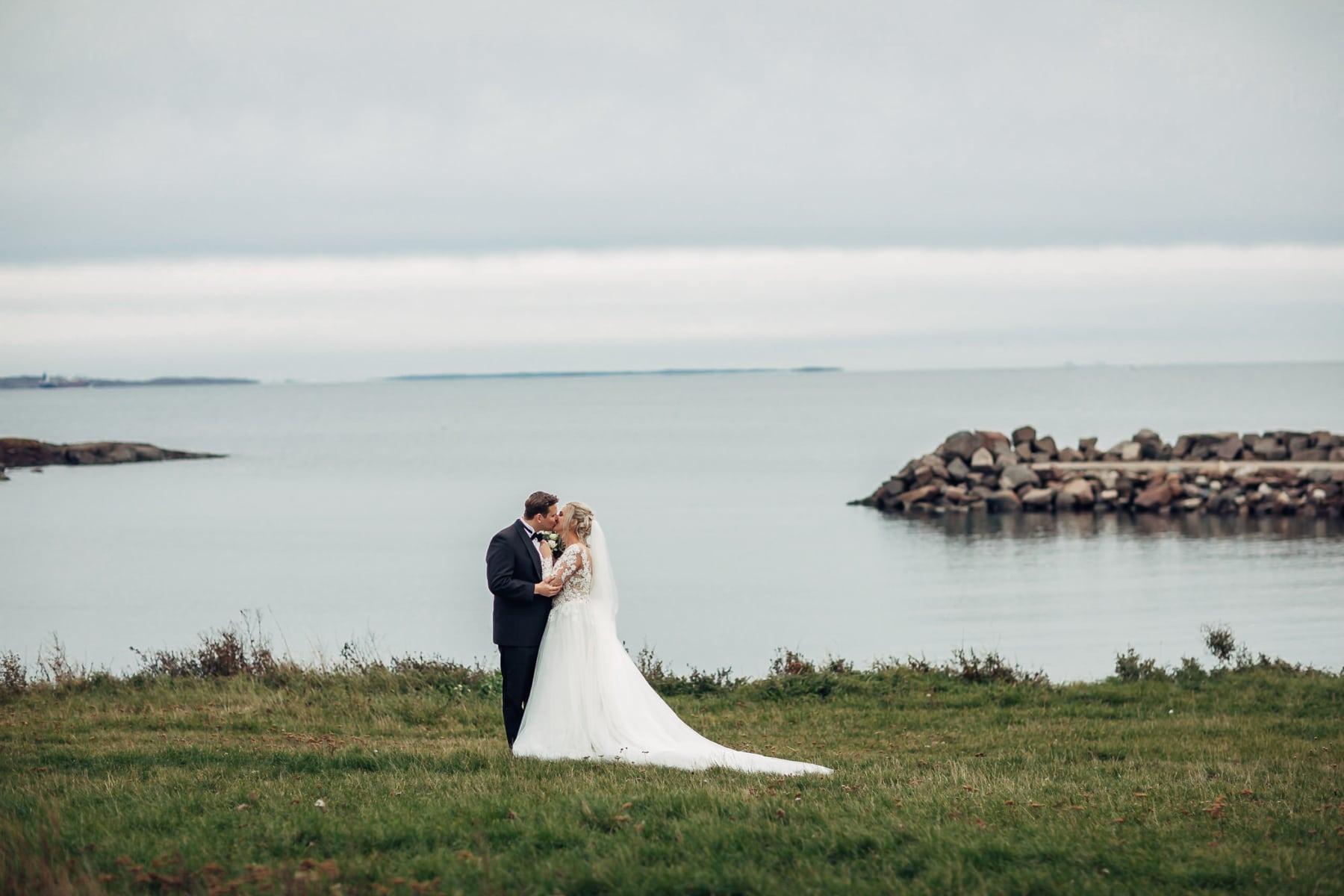 Klara & Stefan - hjertevarmt bryllup i Tønsberg Fotograf bryllup Karlsvik Vestfold 14 Brudepar
