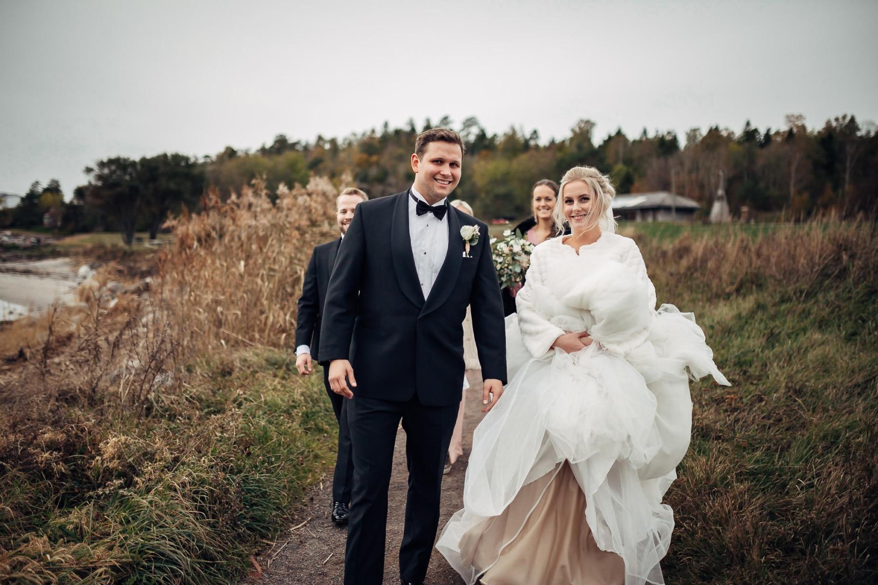 Klara & Stefan - hjertevarmt bryllup i Tønsberg Fotograf bryllup Karlsvik Vestfold 15 Brudepar