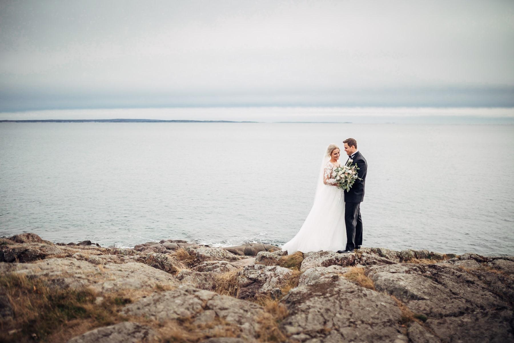 Klara & Stefan - hjertevarmt bryllup i Tønsberg Fotograf bryllup Karlsvik Vestfold 16 Brudepar