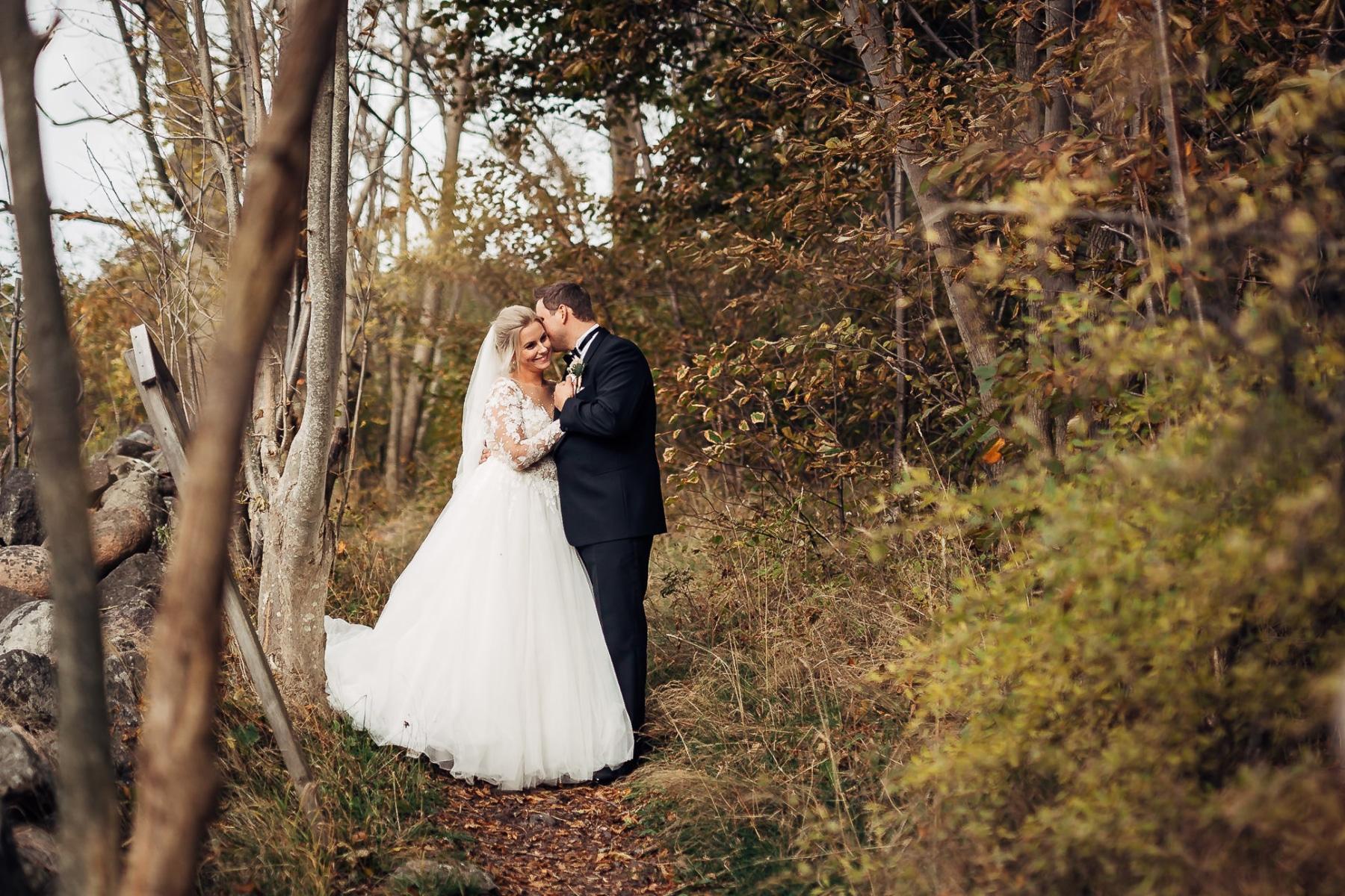 Klara & Stefan - hjertevarmt bryllup i Tønsberg Fotograf bryllup Karlsvik Vestfold 22 Brudepar