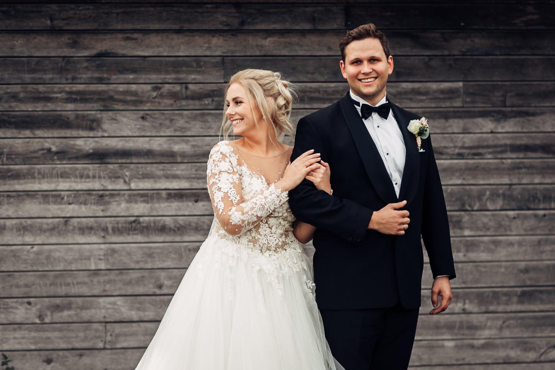 Klara & Stefan - hjertevarmt bryllup i Tønsberg Fotograf bryllup Karlsvik Vestfold 24 Brudepar