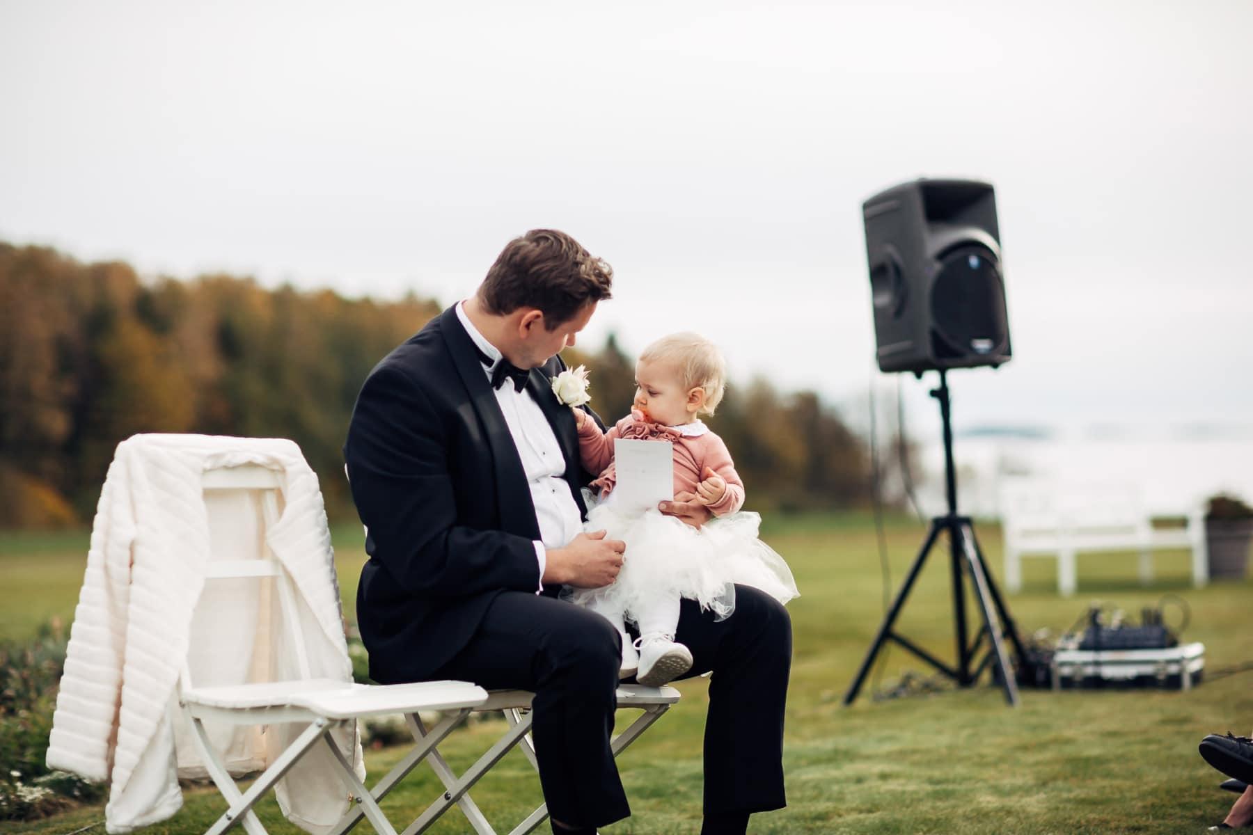 Klara & Stefan - hjertevarmt bryllup i Tønsberg Fotograf bryllup Karlsvik Vestfold 30 Brudepar