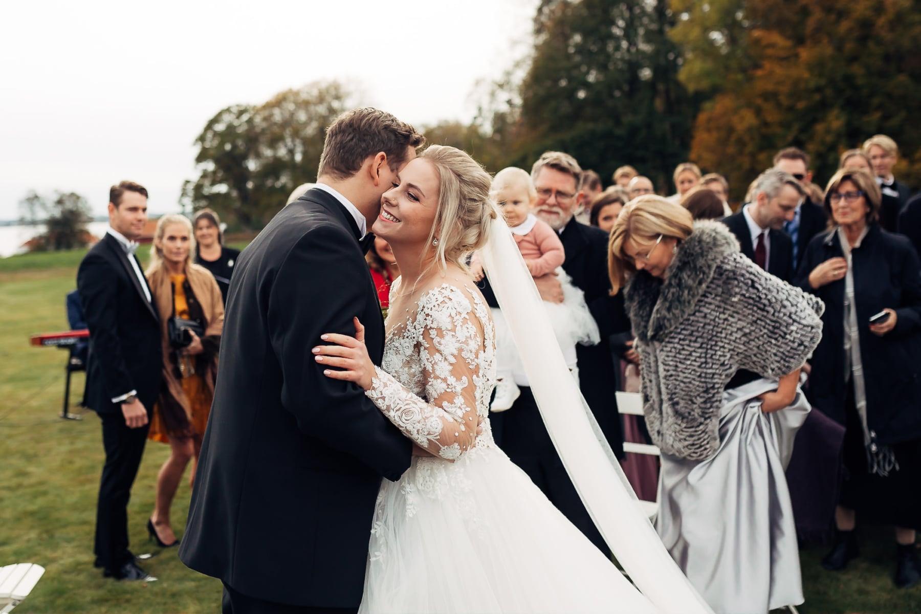 Klara & Stefan - hjertevarmt bryllup i Tønsberg Fotograf bryllup Karlsvik Vestfold 33 Brudepar