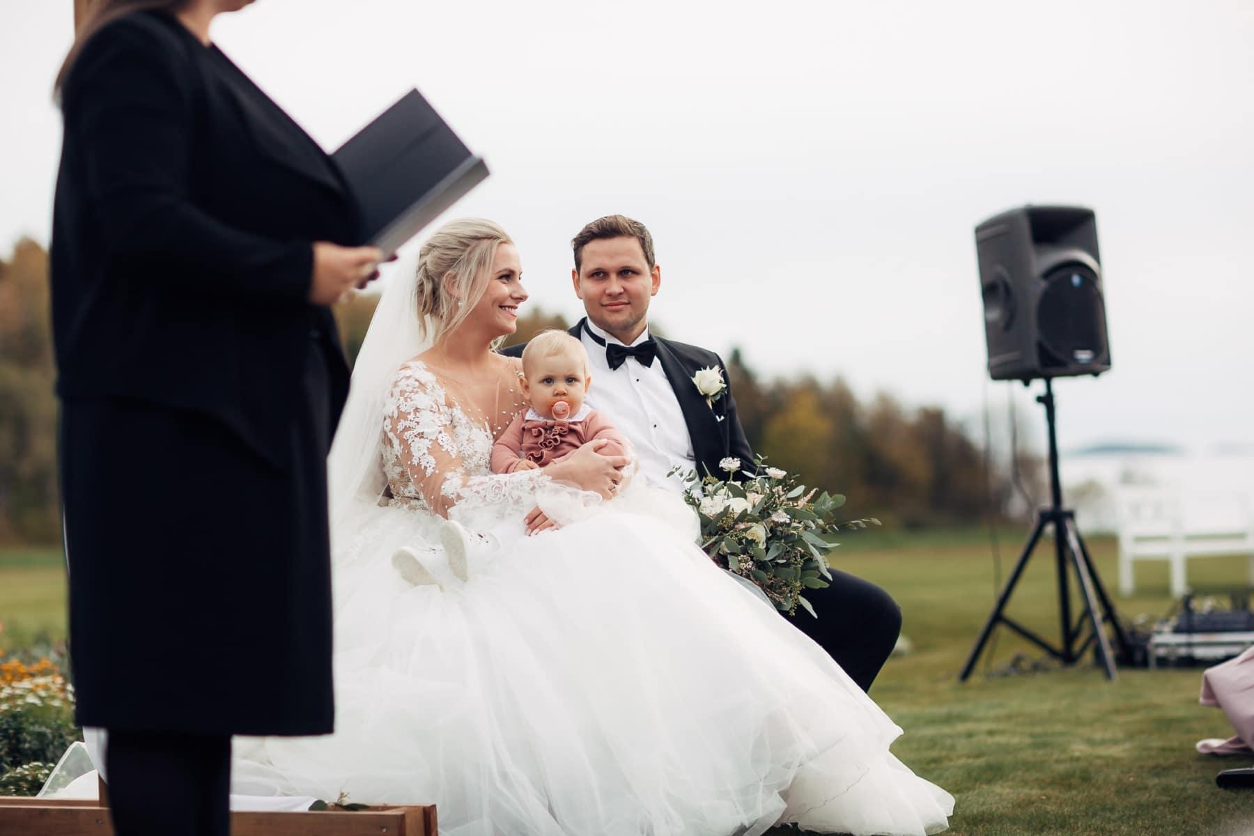 Klara & Stefan - hjertevarmt bryllup i Tønsberg Fotograf bryllup Karlsvik Vestfold 34 Brudepar