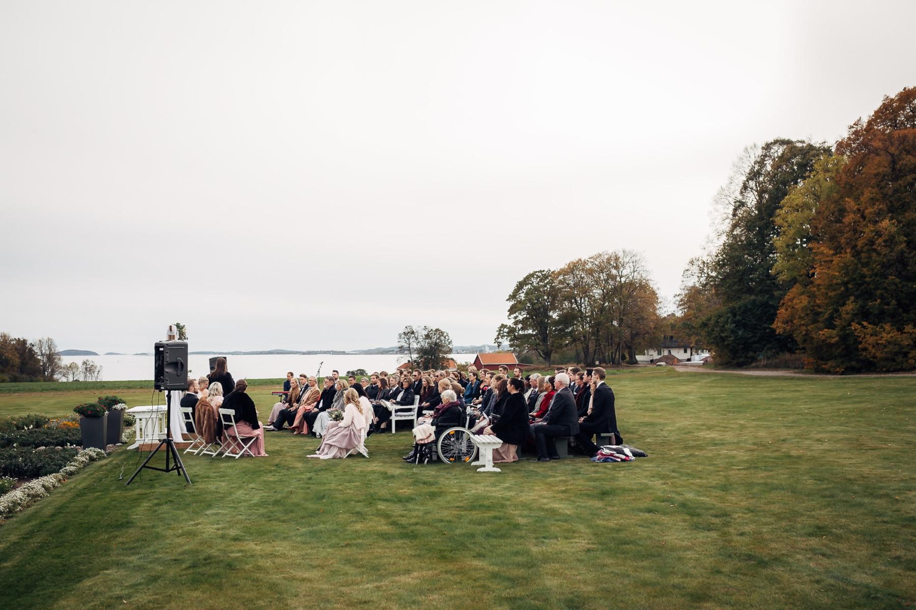 Klara & Stefan - hjertevarmt bryllup i Tønsberg Fotograf bryllup Karlsvik Vestfold 35 Brudepar