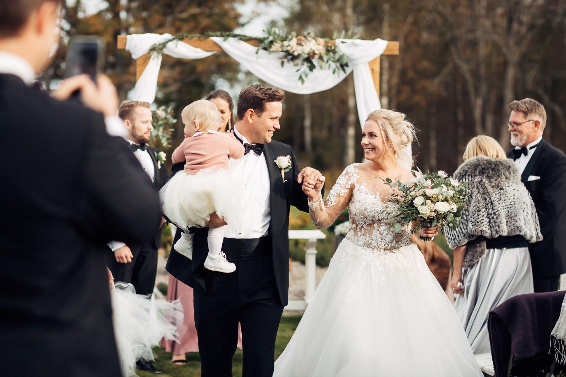 Klara & Stefan - hjertevarmt bryllup i Tønsberg Fotograf bryllup Karlsvik Vestfold 39 Brudepar
