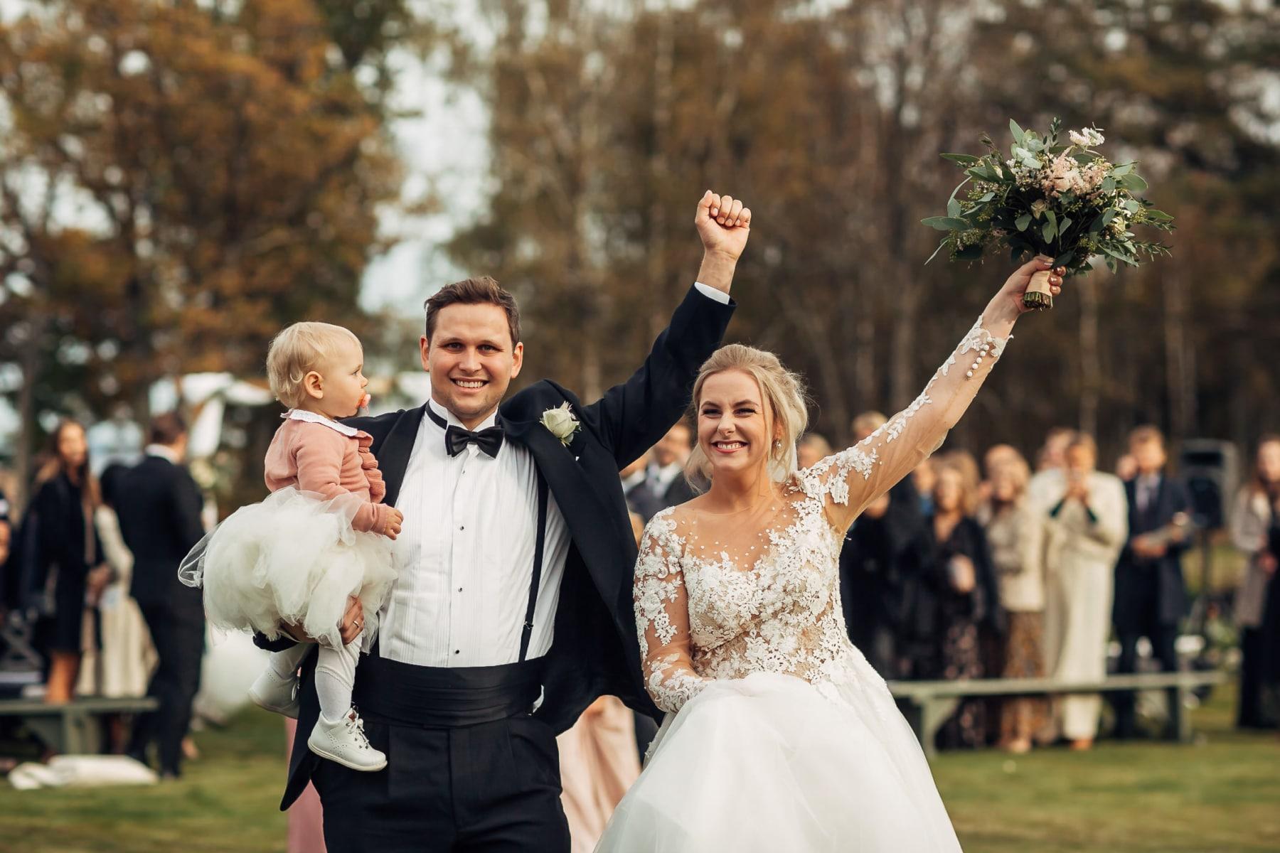 Klara & Stefan - hjertevarmt bryllup i Tønsberg Fotograf bryllup Karlsvik Vestfold 40 Brudepar