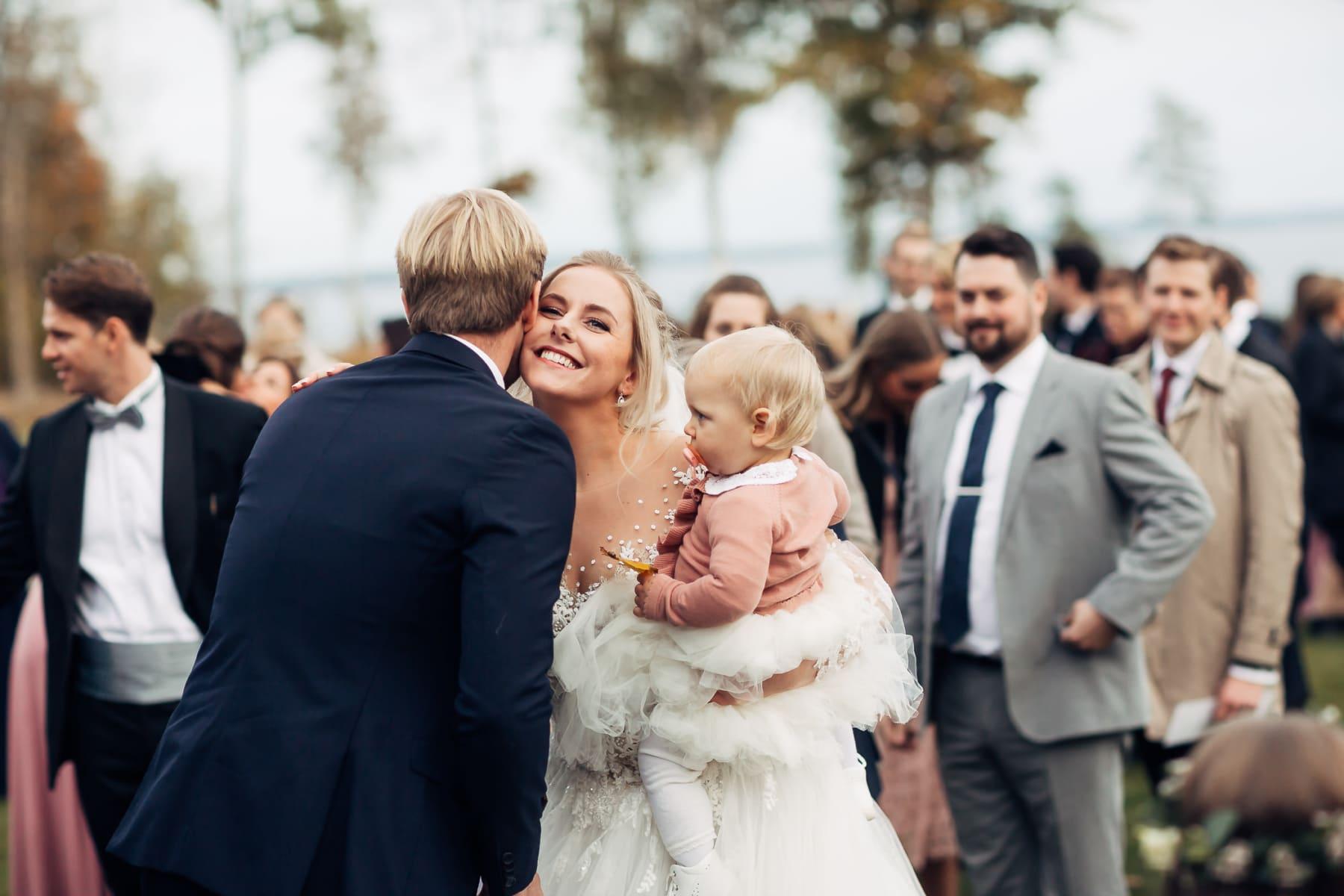 Klara & Stefan - hjertevarmt bryllup i Tønsberg Fotograf bryllup Karlsvik Vestfold 41 Brudepar