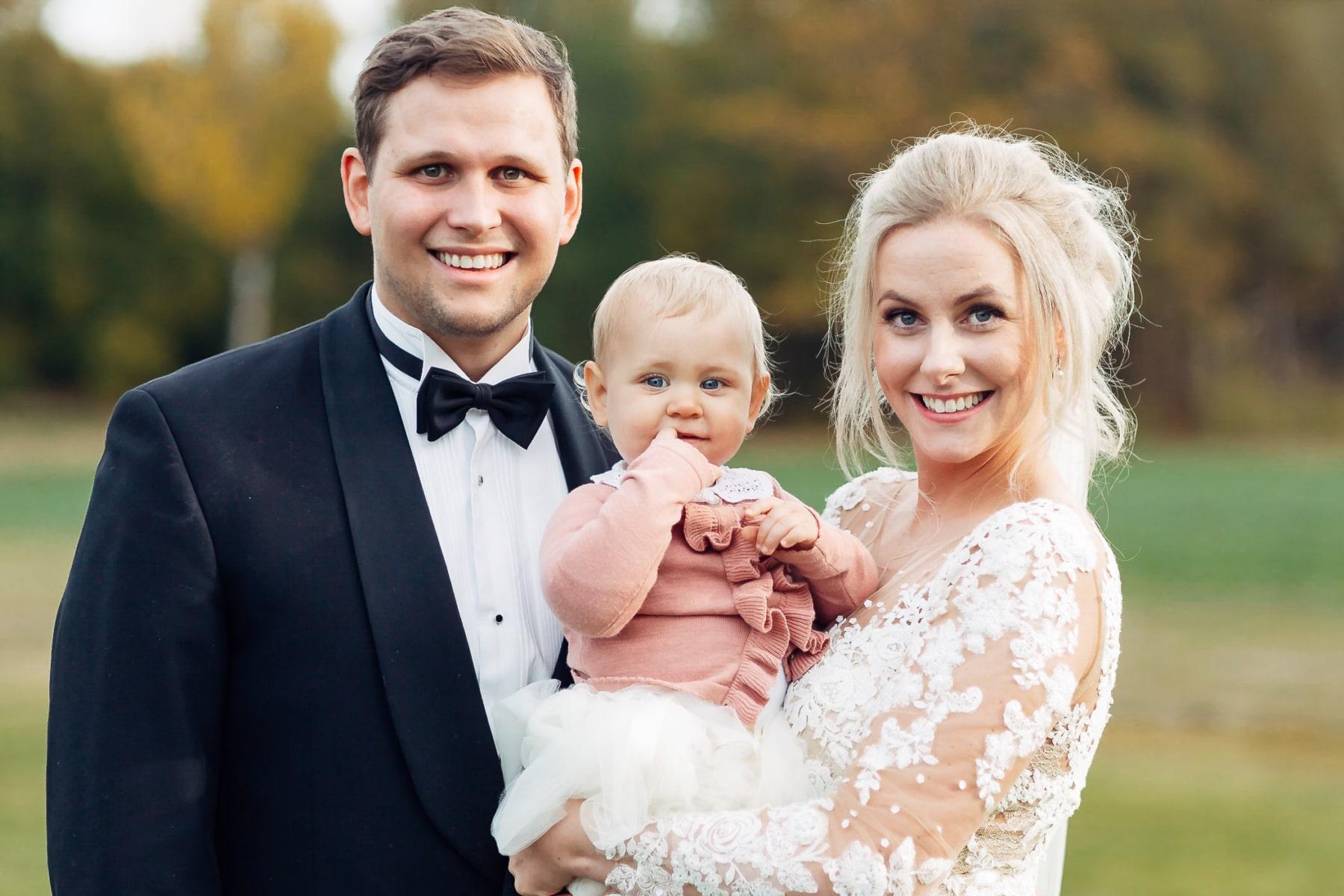 Klara & Stefan - hjertevarmt bryllup i Tønsberg Fotograf bryllup Karlsvik Vestfold 44 Brudepar