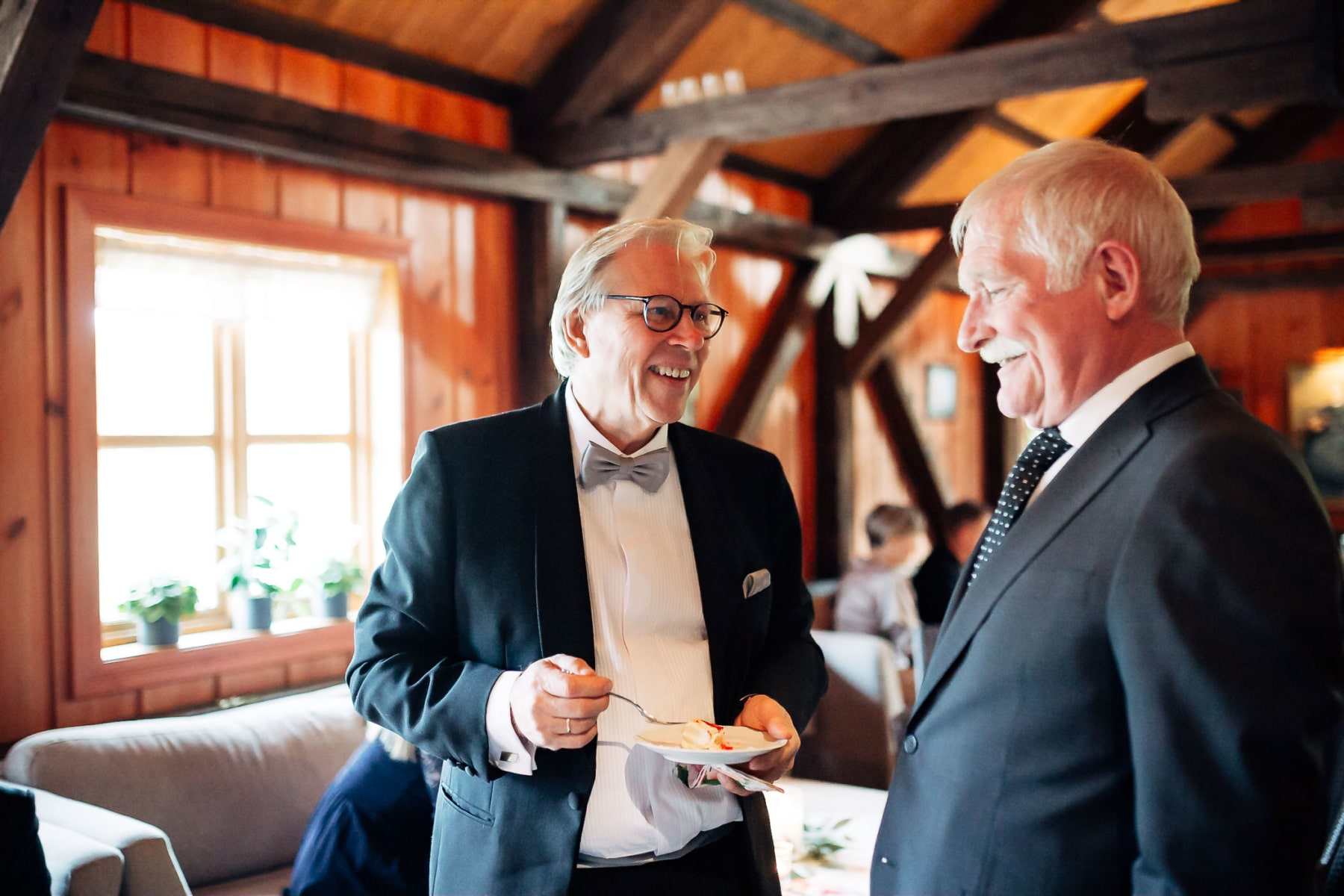 Klara & Stefan - hjertevarmt bryllup i Tønsberg Fotograf bryllup Karlsvik Vestfold 52 Brudepar