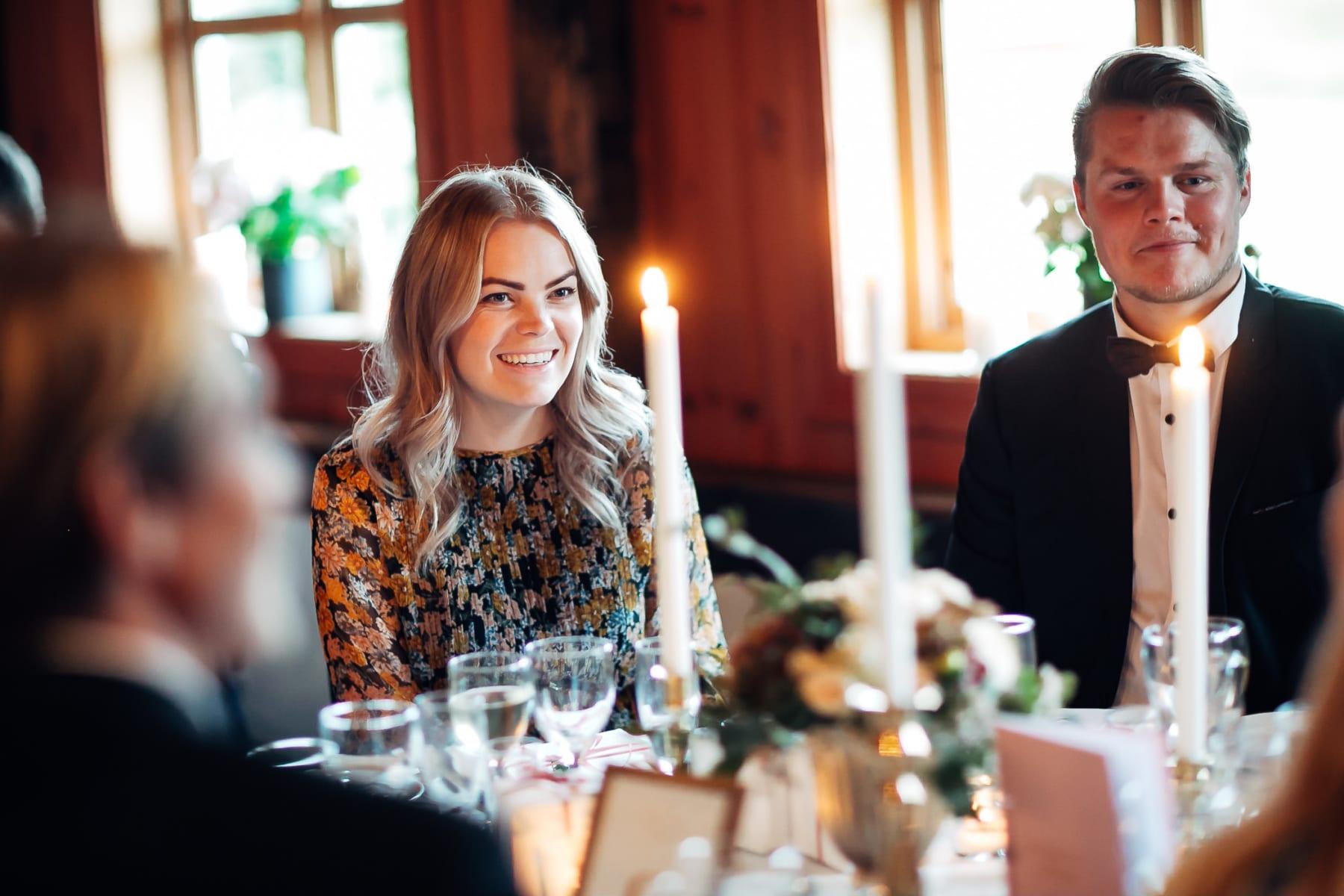 Klara & Stefan - hjertevarmt bryllup i Tønsberg Fotograf bryllup Karlsvik Vestfold 57 Brudepar