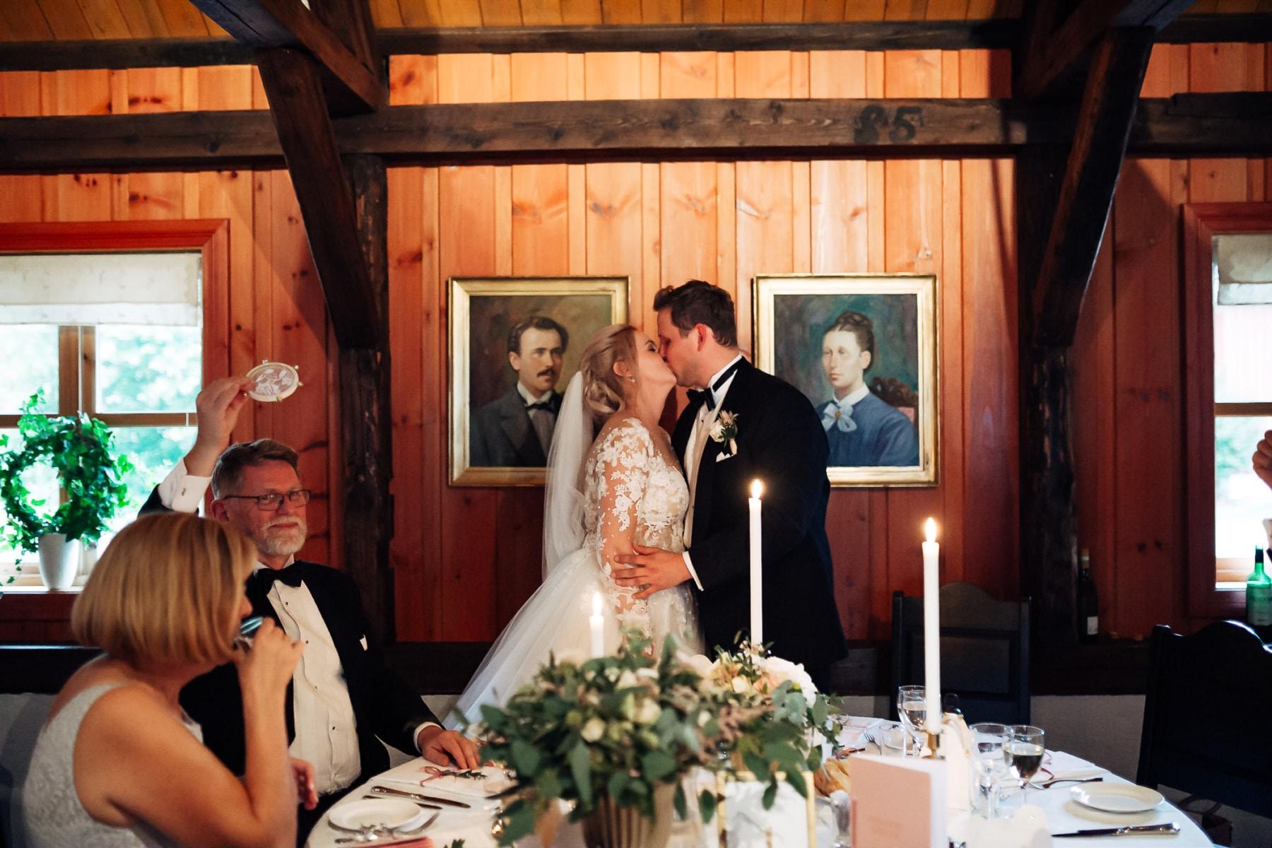 Klara & Stefan - hjertevarmt bryllup i Tønsberg Fotograf bryllup Karlsvik Vestfold 59 Brudepar