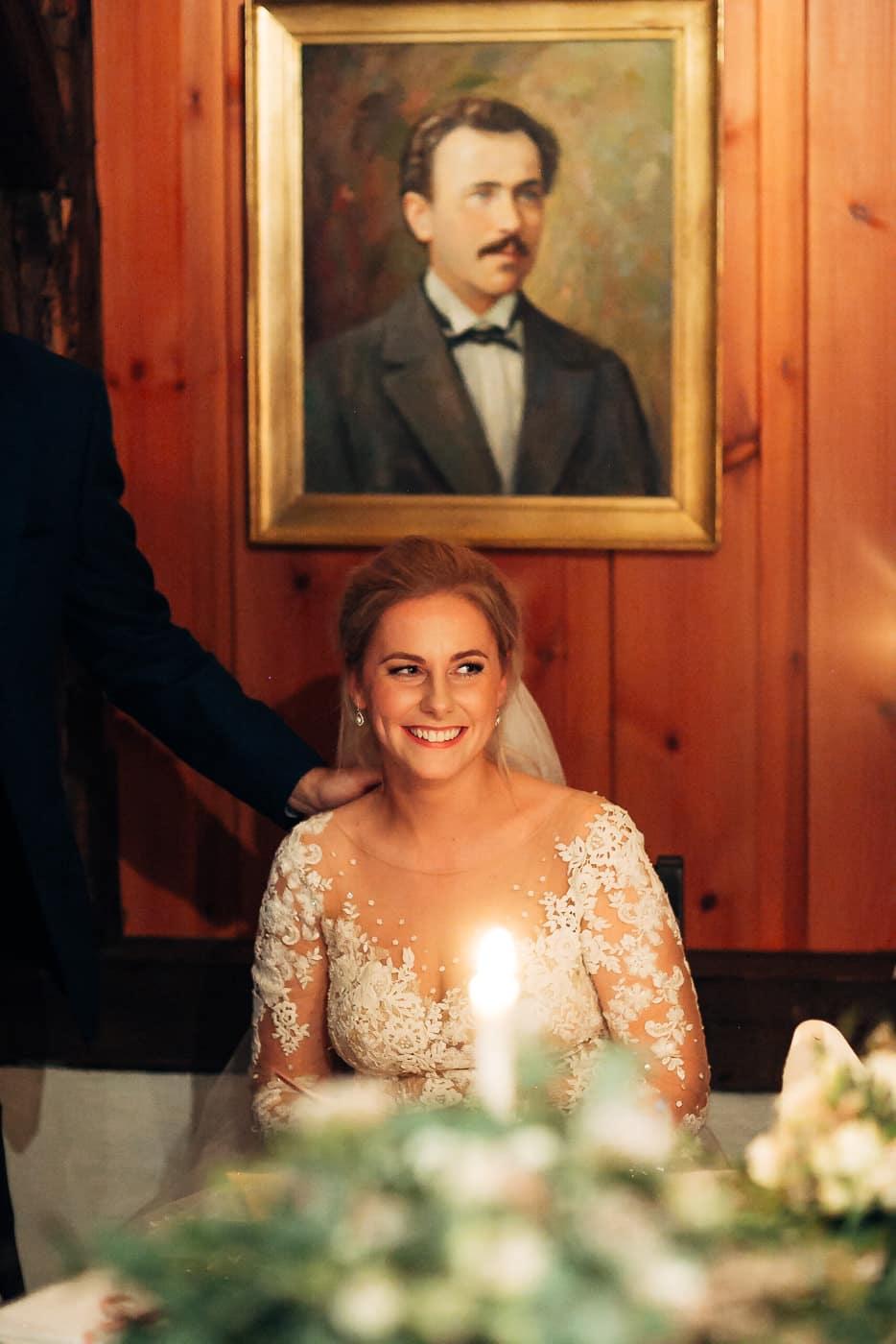 Klara & Stefan - hjertevarmt bryllup i Tønsberg Fotograf bryllup Karlsvik Vestfold 60 Brudepar