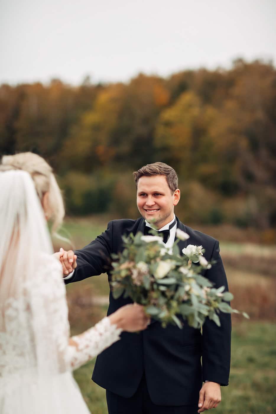 Klara & Stefan - hjertevarmt bryllup i Tønsberg Fotograf bryllup Karlsvik Vestfold 8 Brudepar