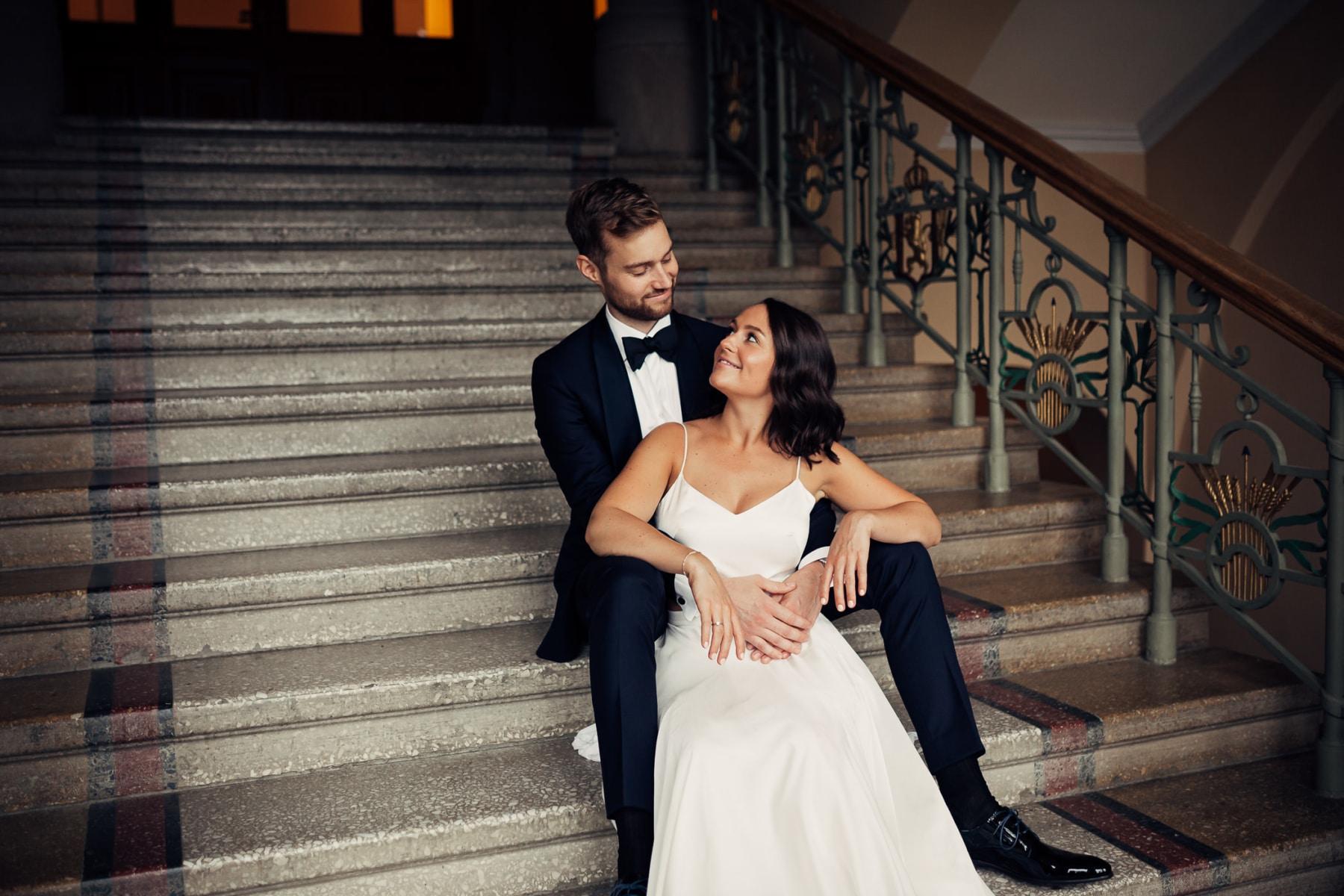 Caroline & Bendik - avslappet og morsomt bryllup i Ski Fotograf bryllup ski 19 Brudepar