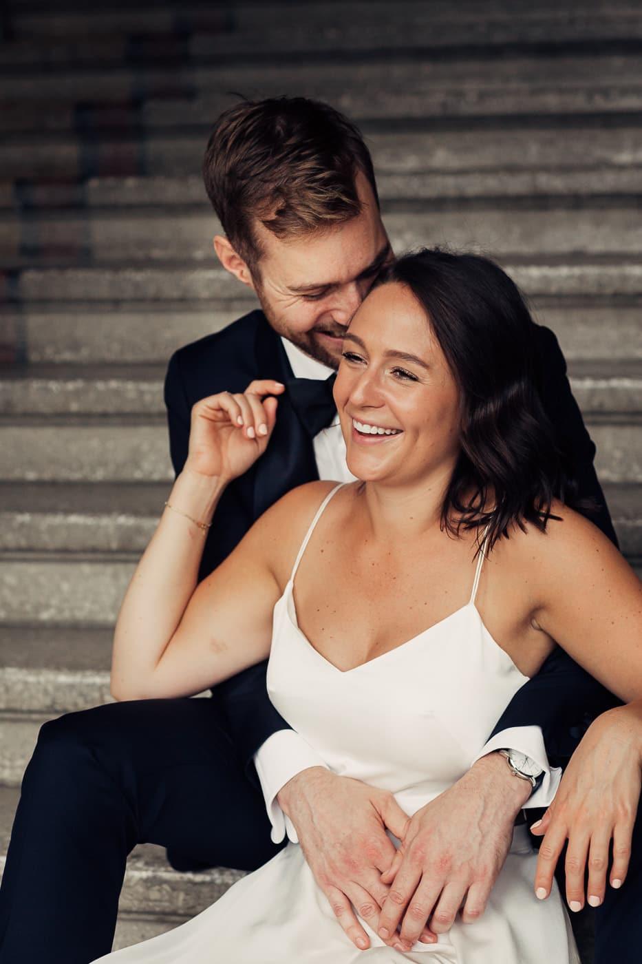 Caroline & Bendik - avslappet og morsomt bryllup i Ski Fotograf bryllup ski 21 Brudepar