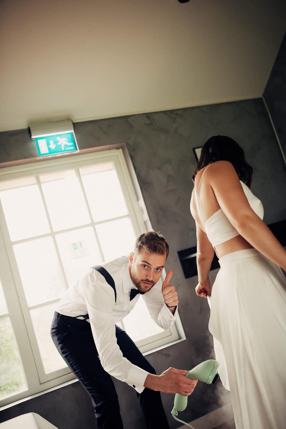 Caroline & Bendik - avslappet og morsomt bryllup i Ski Fotograf bryllup ski 25 Brudepar