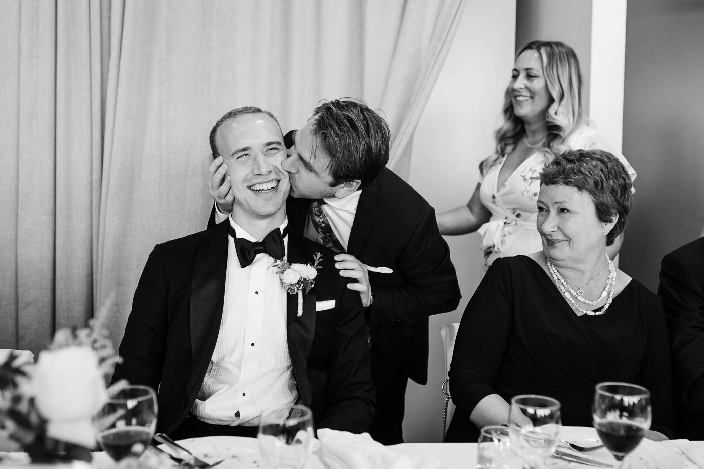 Mette & Lars - eventyrlig sommerbryllup i Grimstad Strand Hotell Fevik Bryllup 6